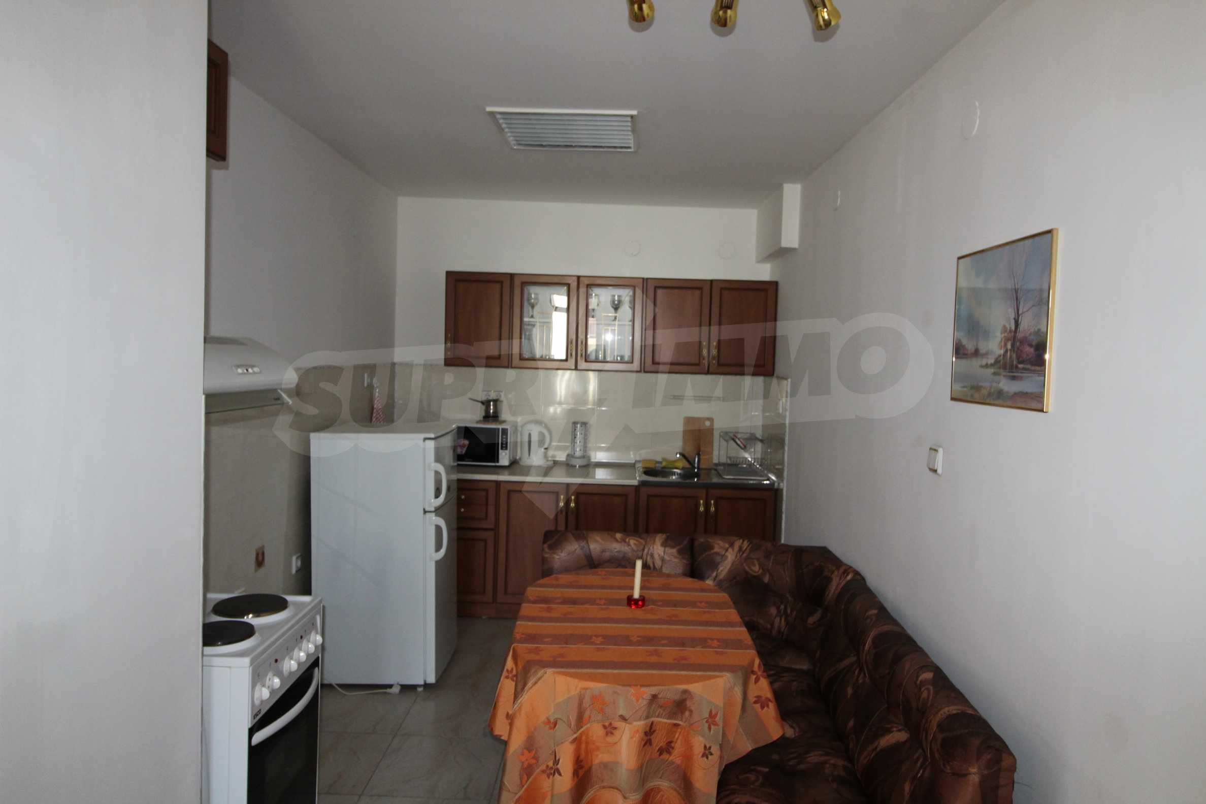 Светъл и уютен тристаен апартамент в Банско 5
