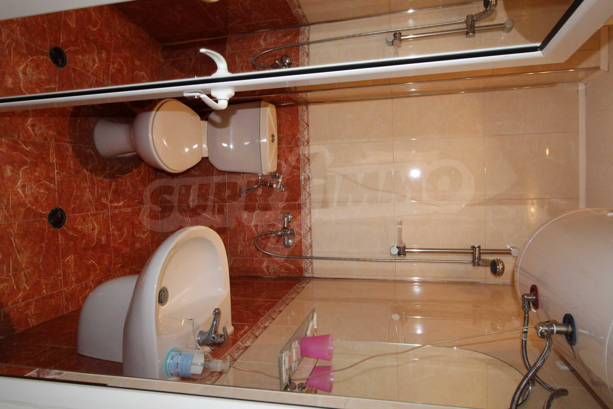 Светъл и уютен тристаен апартамент в Банско 7
