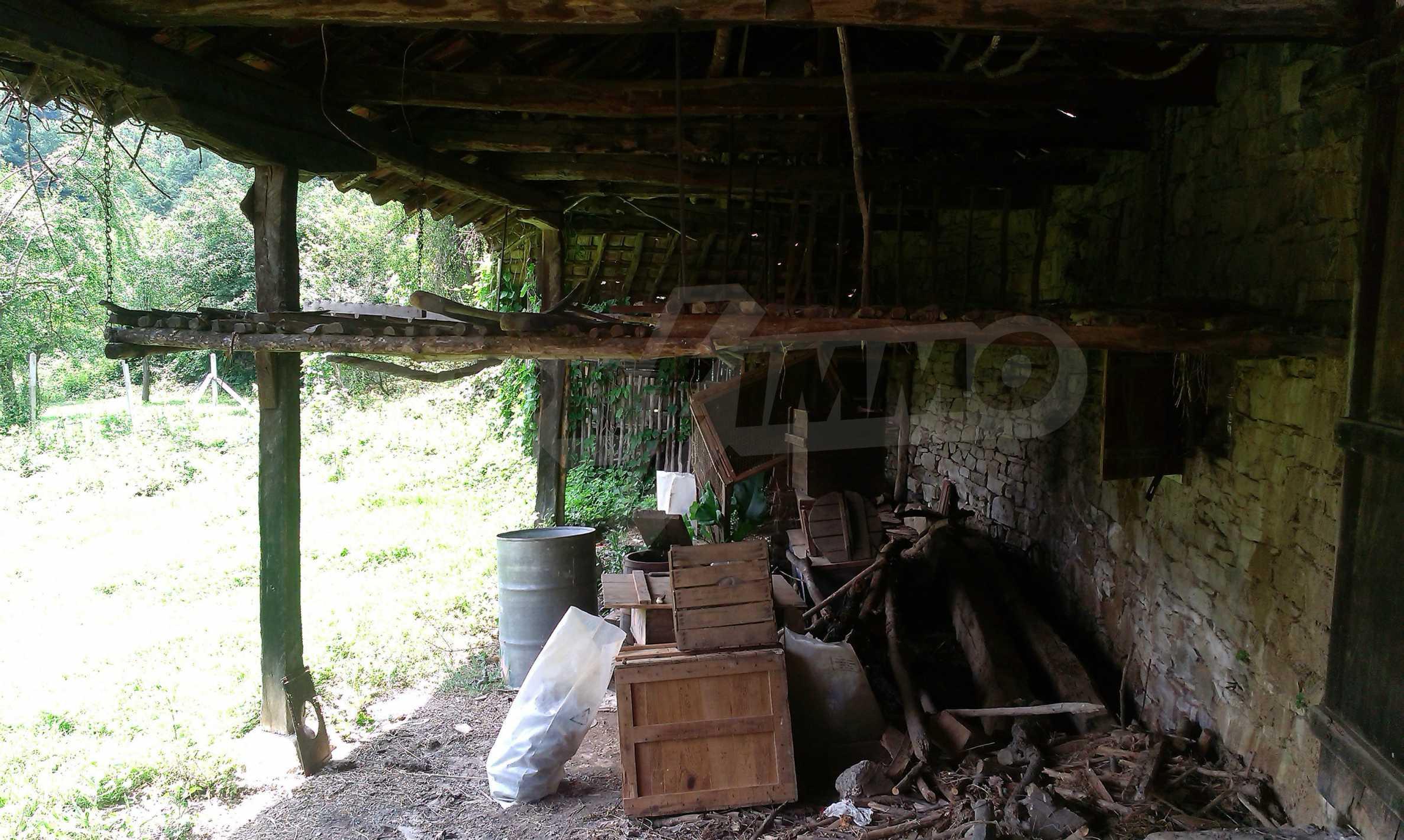 Тухлена двуетажна къща само на 22 км от Велико Търново  17