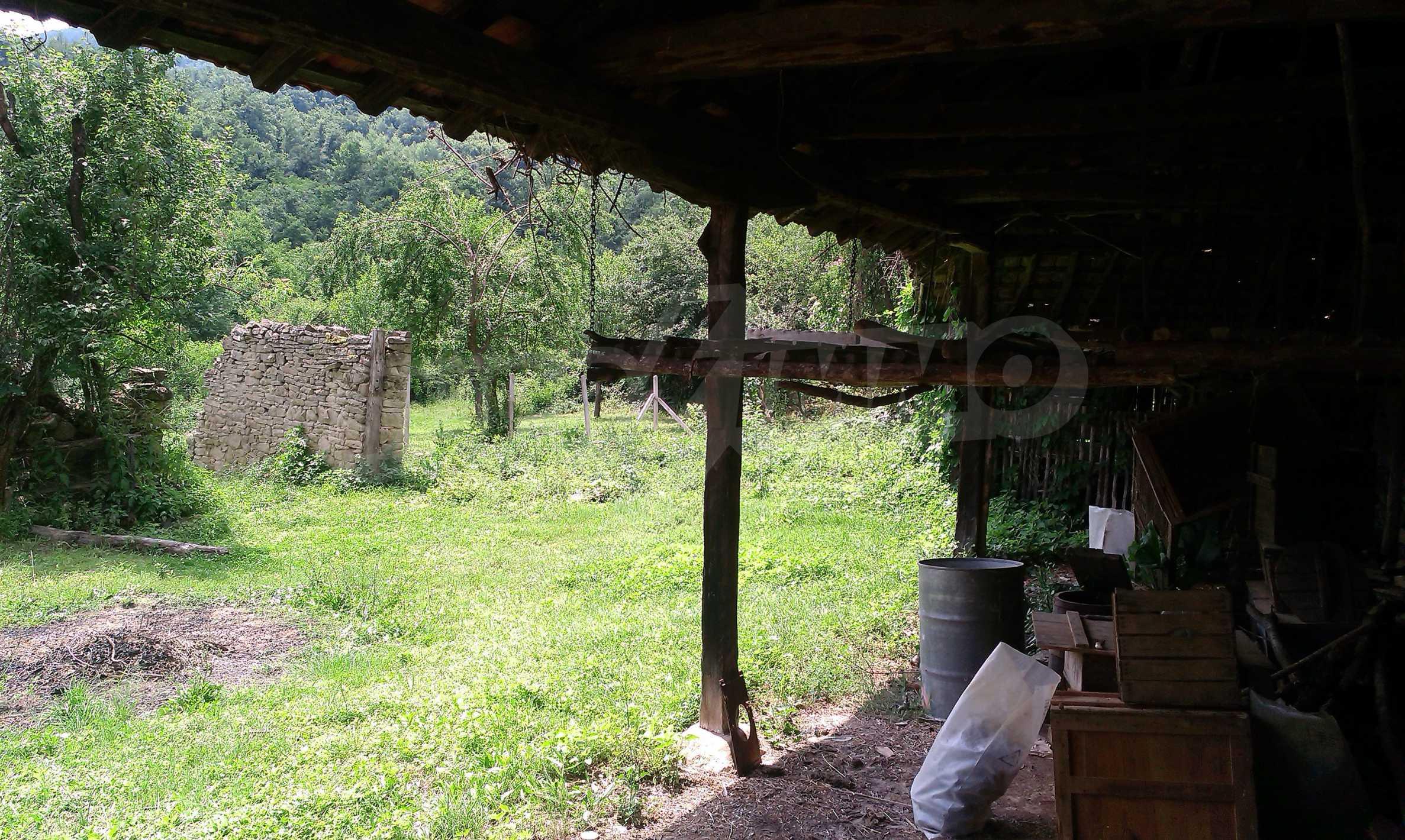 Тухлена двуетажна къща само на 22 км от Велико Търново  18