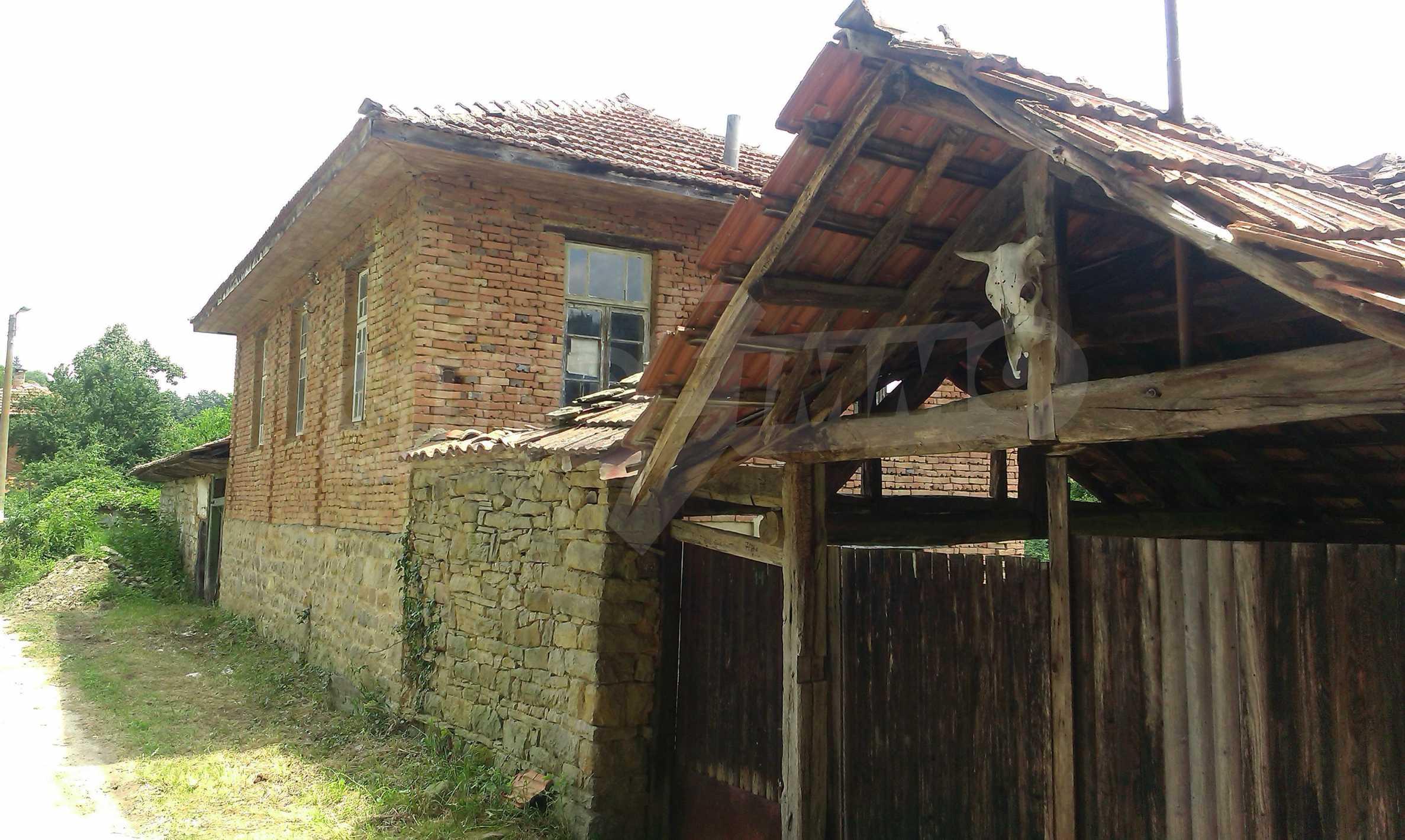 Тухлена двуетажна къща само на 22 км от Велико Търново  21
