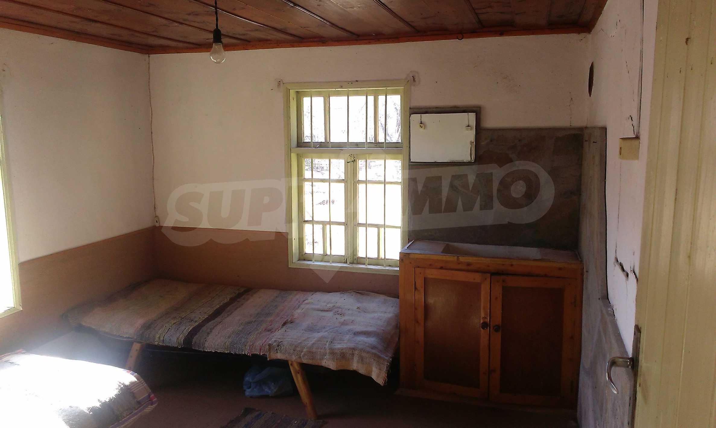 Тухлена двуетажна къща само на 22 км от Велико Търново  50