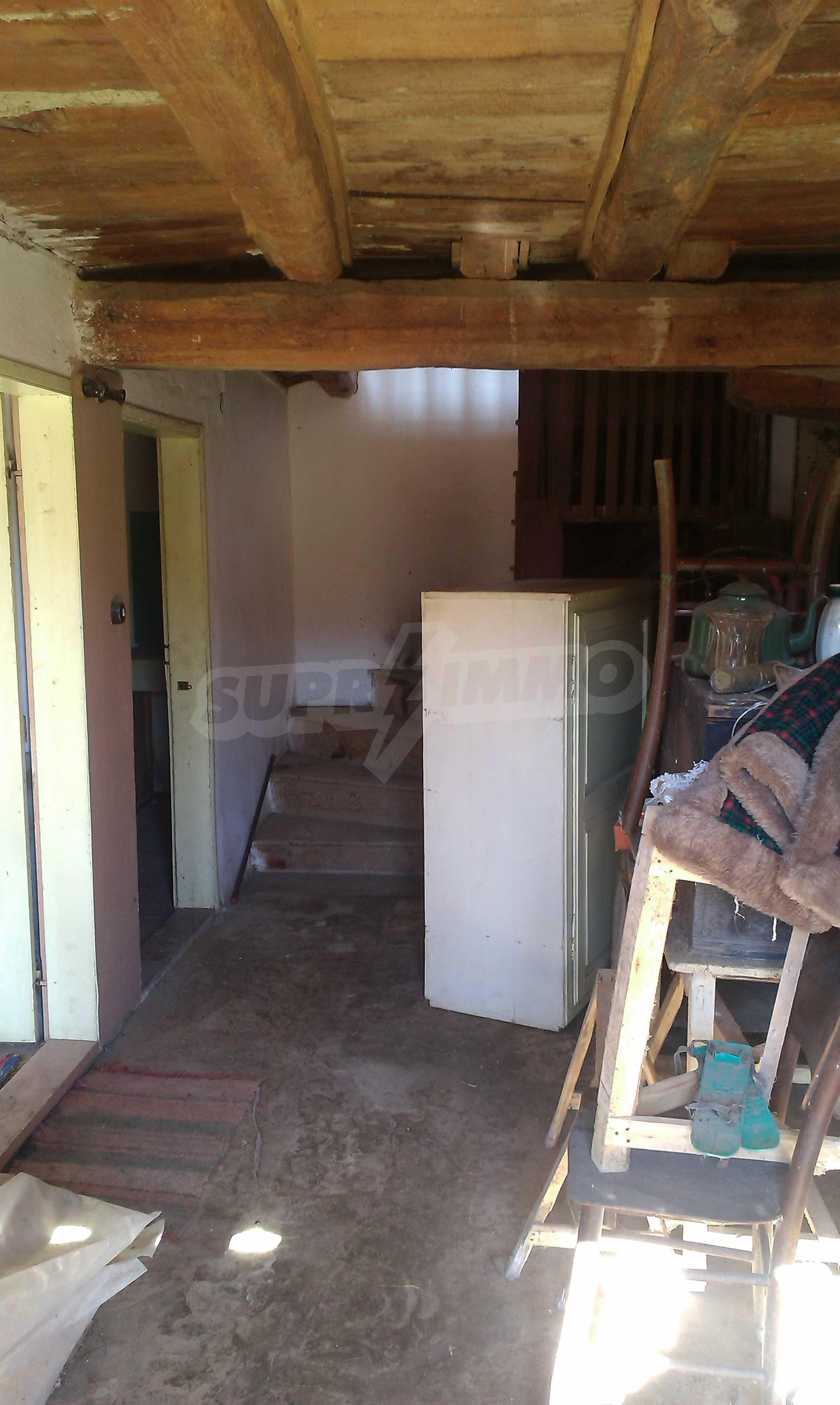 Тухлена двуетажна къща само на 22 км от Велико Търново  54