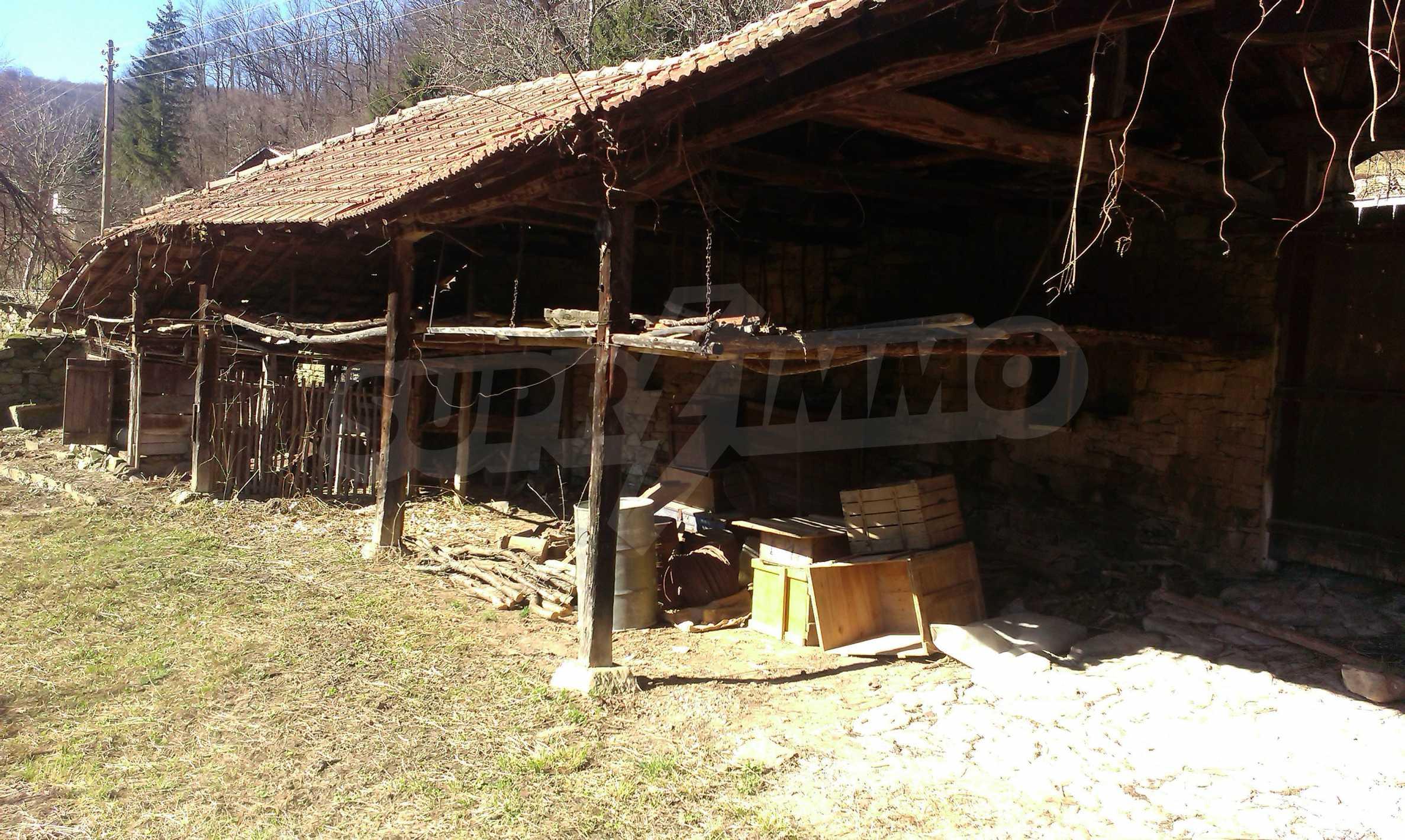 Тухлена двуетажна къща само на 22 км от Велико Търново  65