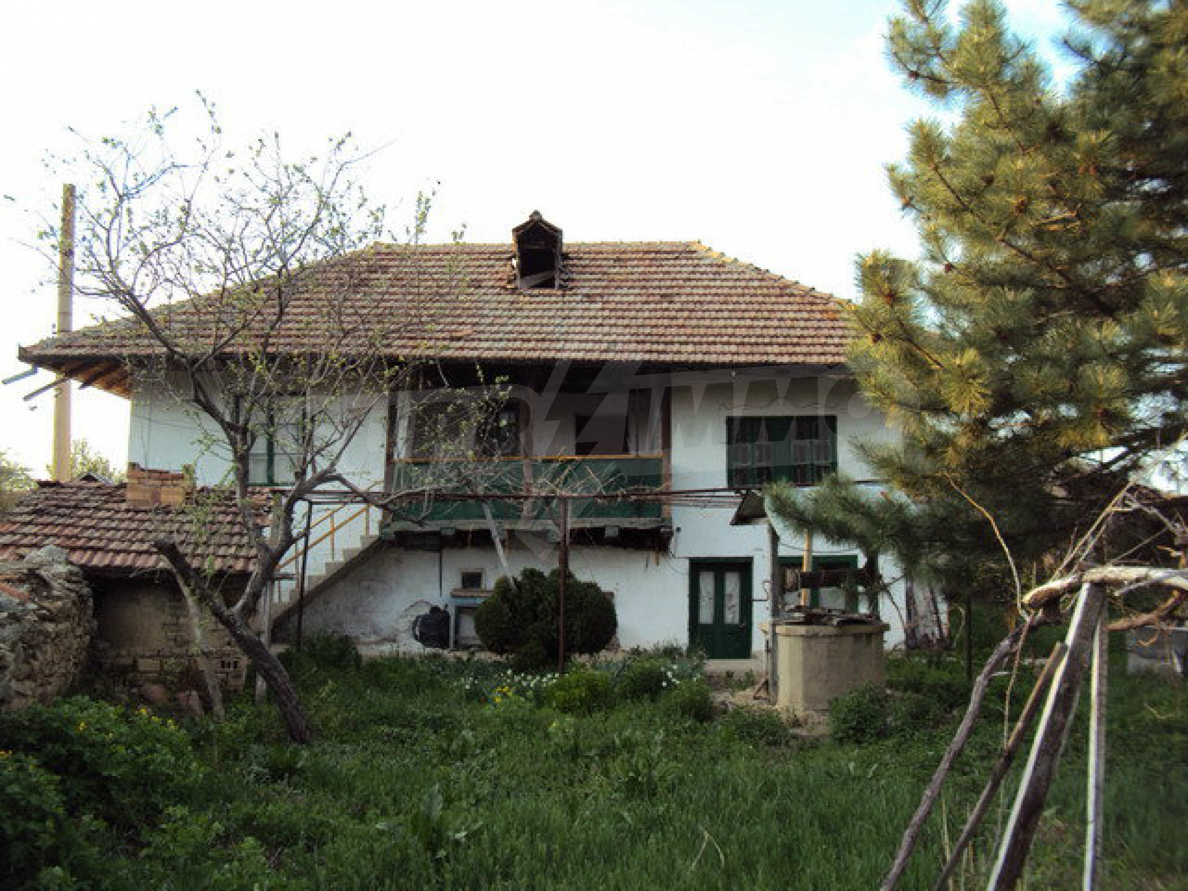 House with spacious garden is located in a beautiful and well developed village 30 km. from Veliko Tarnovo