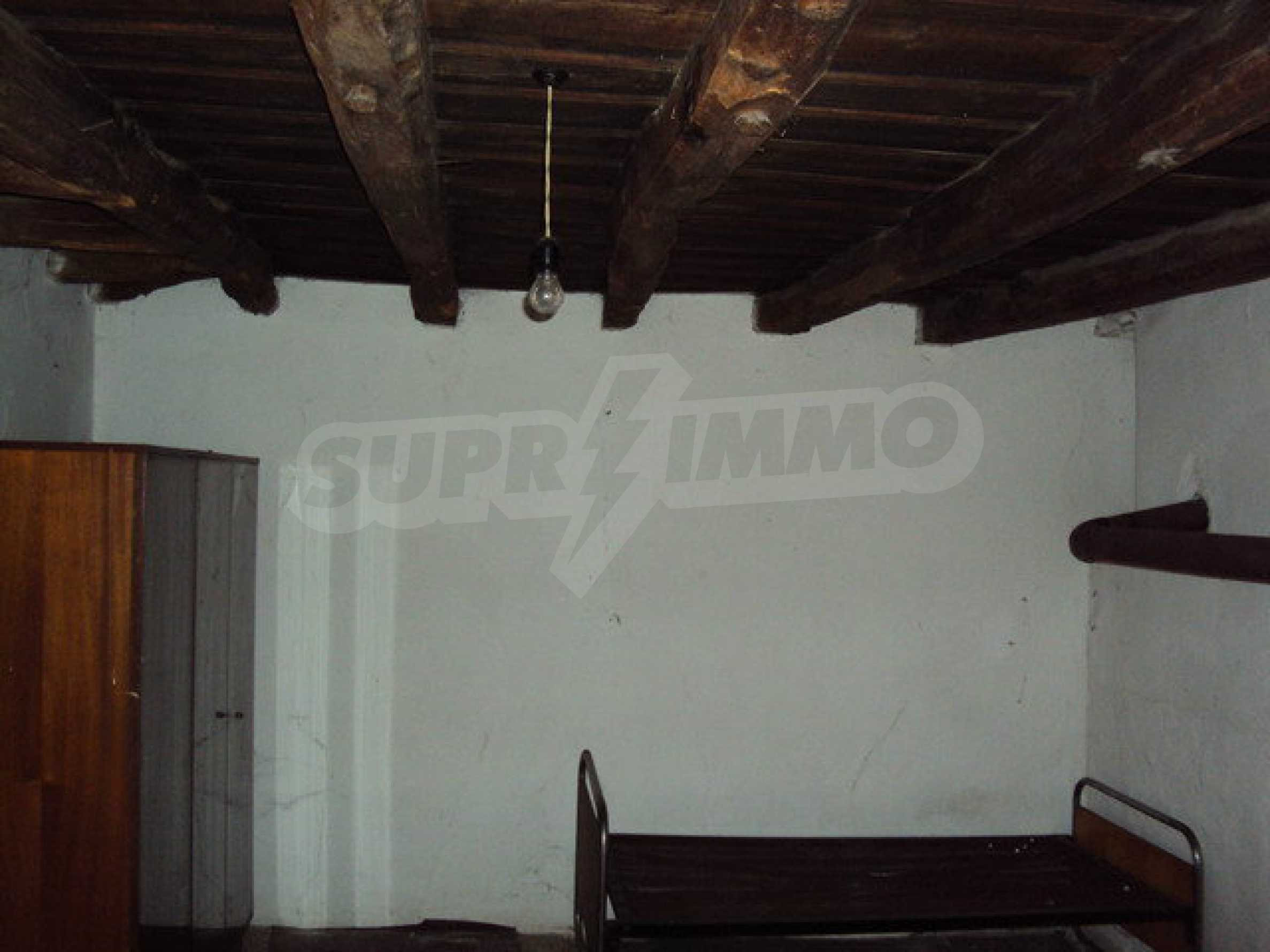 House with spacious garden is located in a beautiful and well developed village 30 km. from Veliko Tarnovo 10