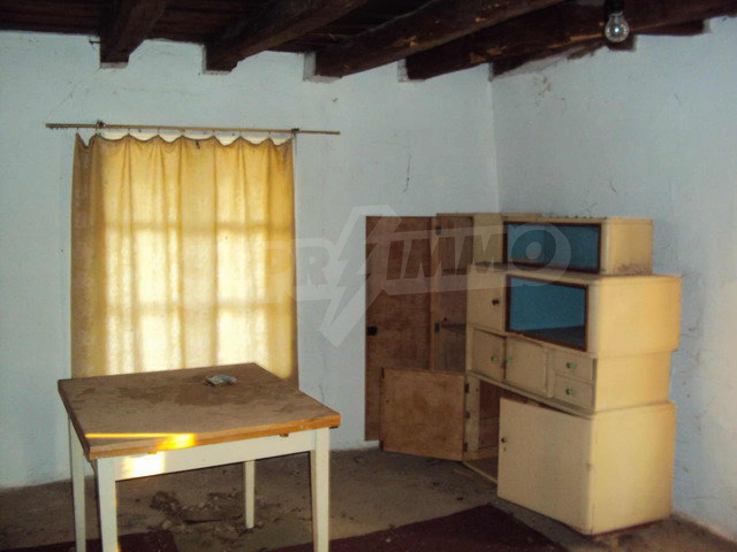 House with spacious garden is located in a beautiful and well developed village 30 km. from Veliko Tarnovo 11