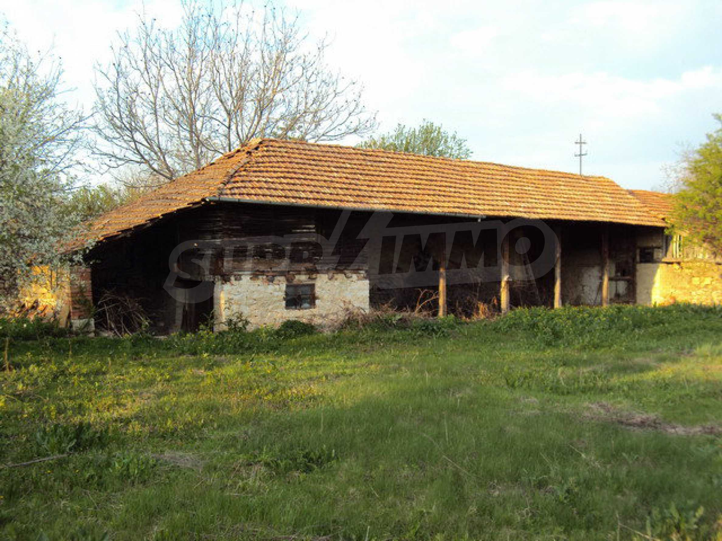 House with spacious garden is located in a beautiful and well developed village 30 km. from Veliko Tarnovo 13
