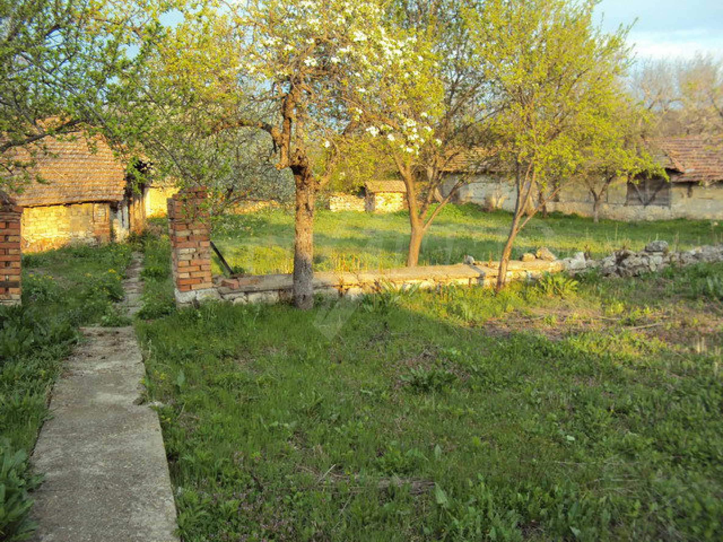 House with spacious garden is located in a beautiful and well developed village 30 km. from Veliko Tarnovo 20