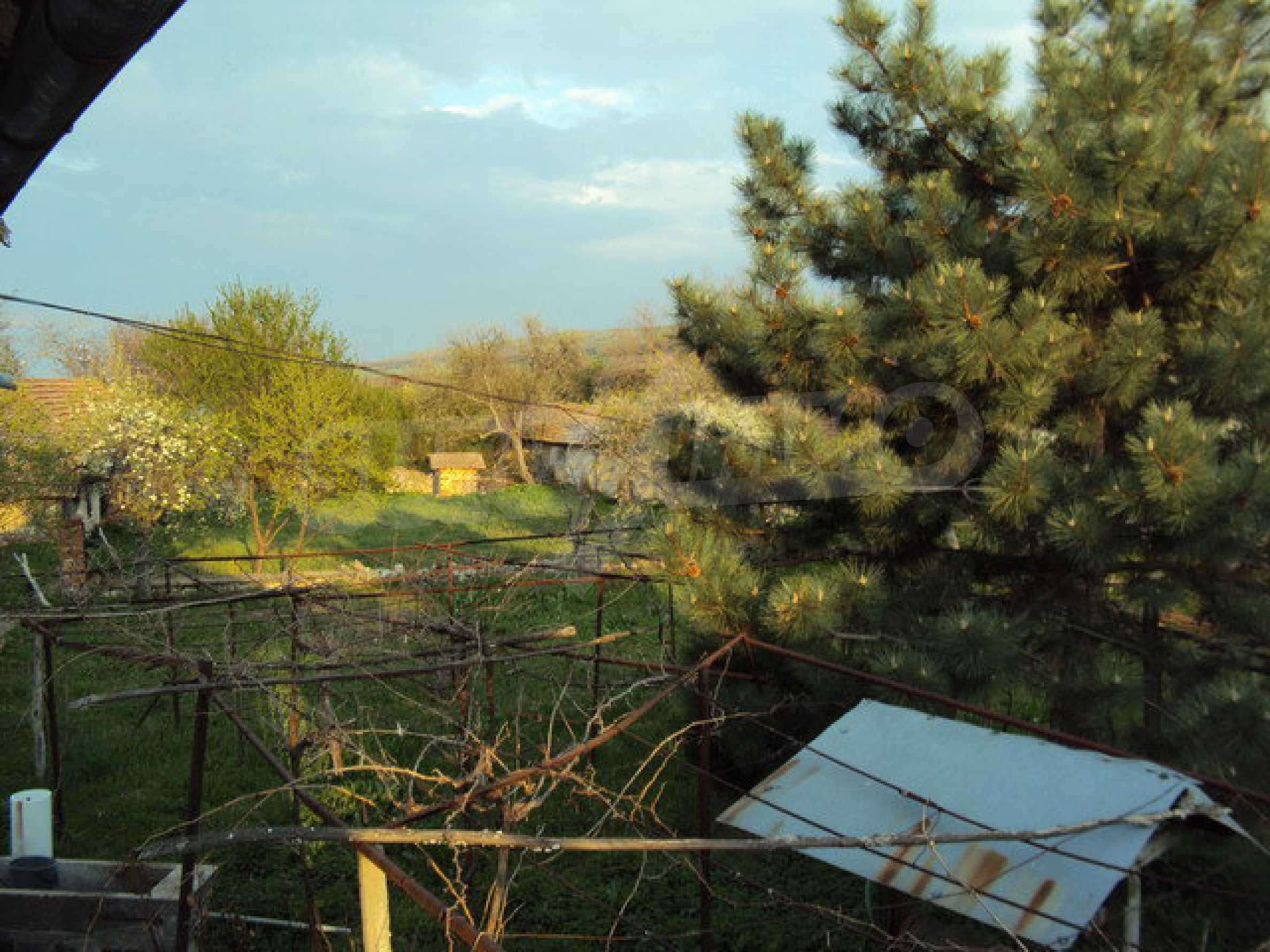 House with spacious garden is located in a beautiful and well developed village 30 km. from Veliko Tarnovo 5