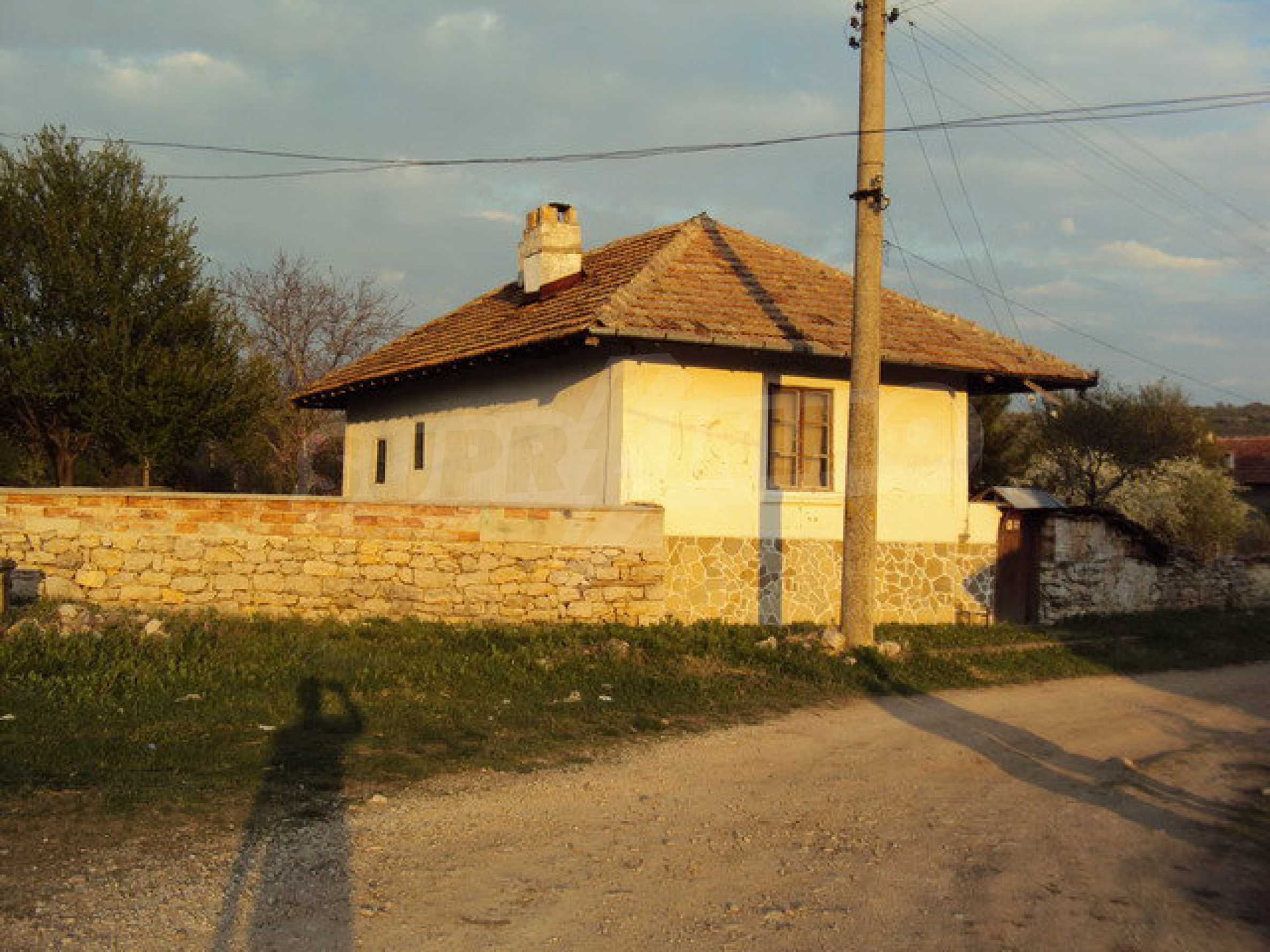 House with spacious garden is located in a beautiful and well developed village 30 km. from Veliko Tarnovo 6