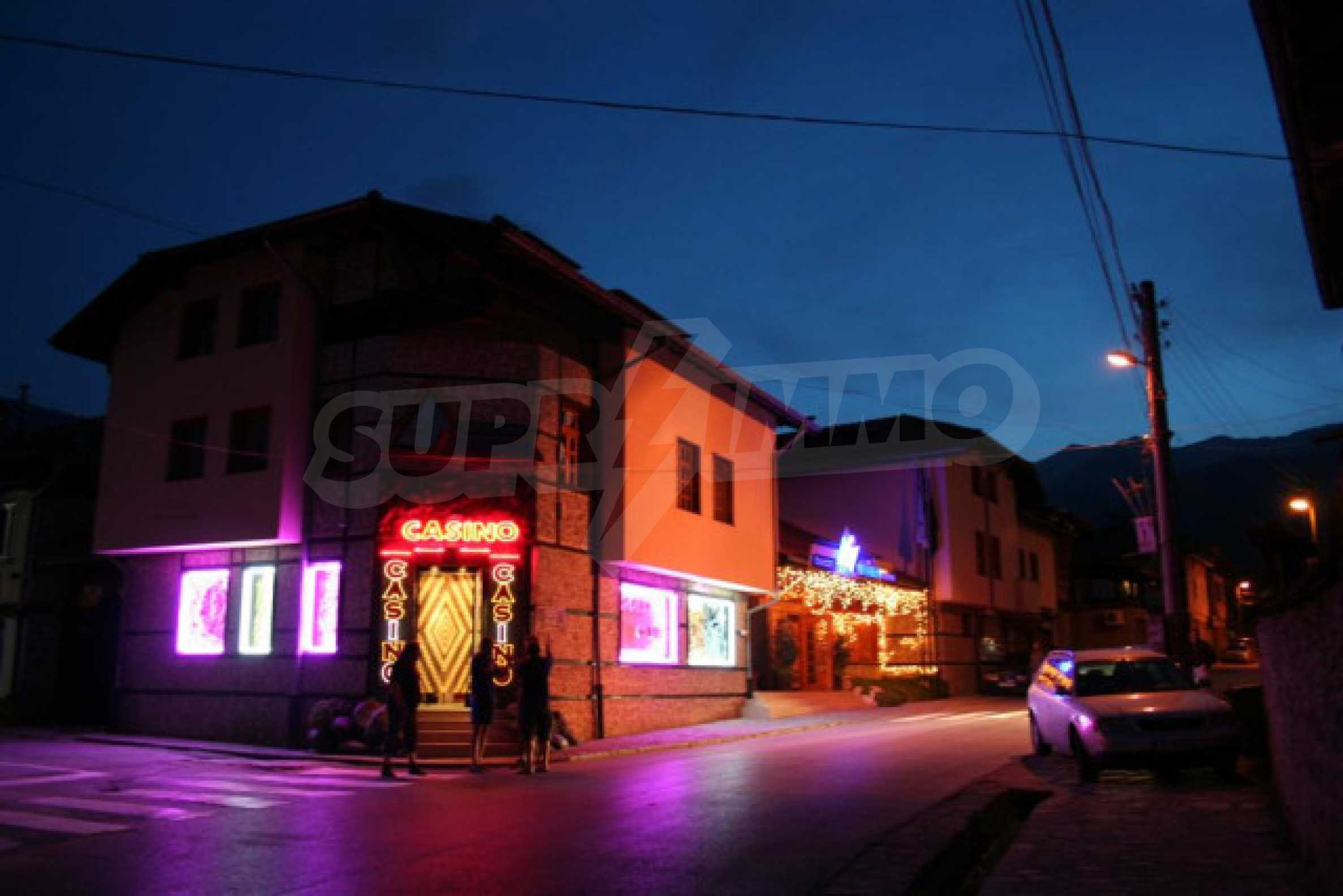 Hotel on the main shopping street of Bansko 5
