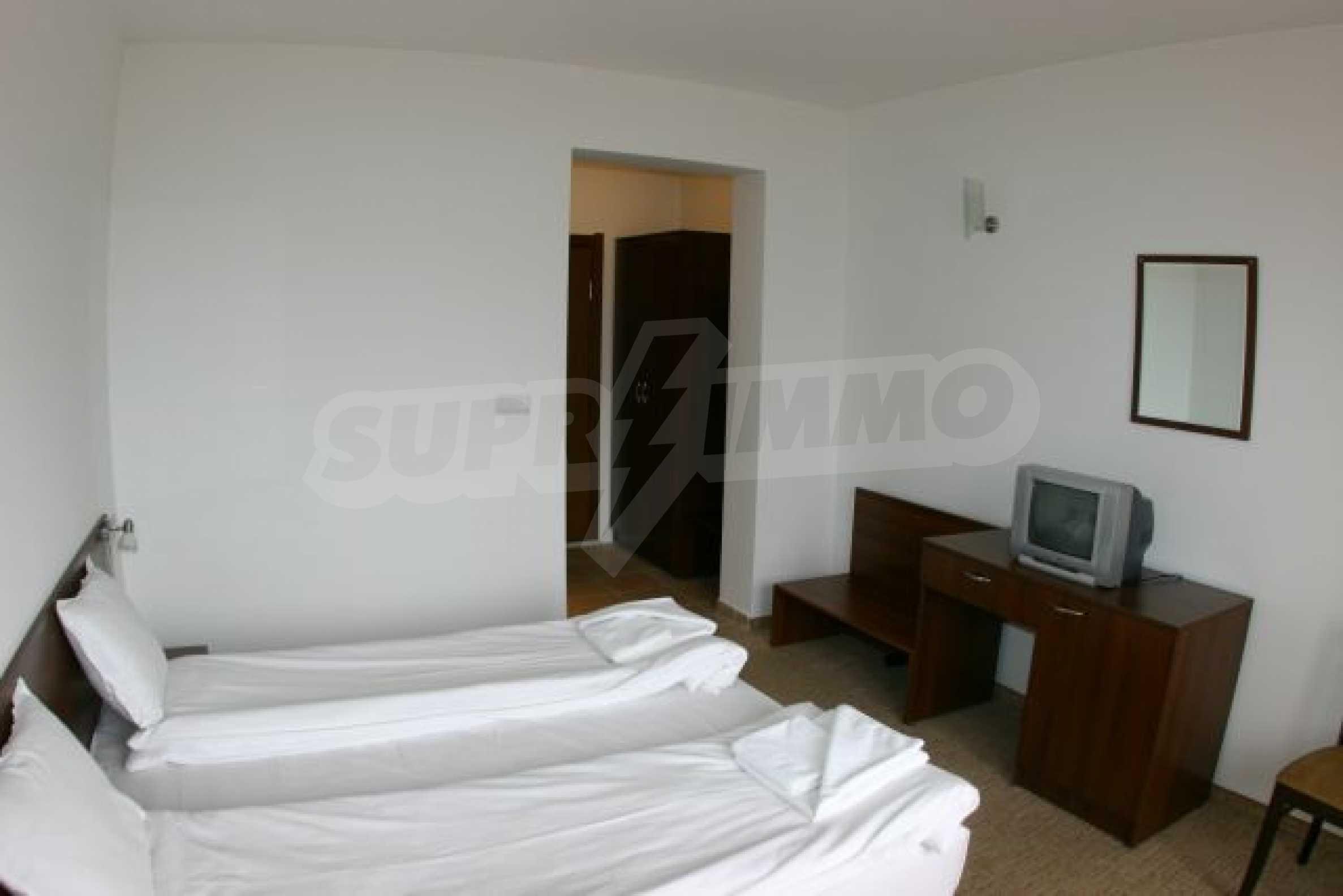 Елегантен хотел за продажба в ски курорта Банско 9