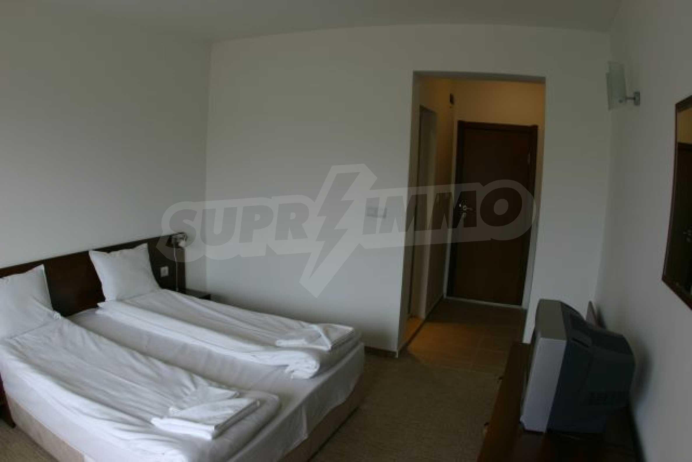 Елегантен хотел за продажба в ски курорта Банско 10