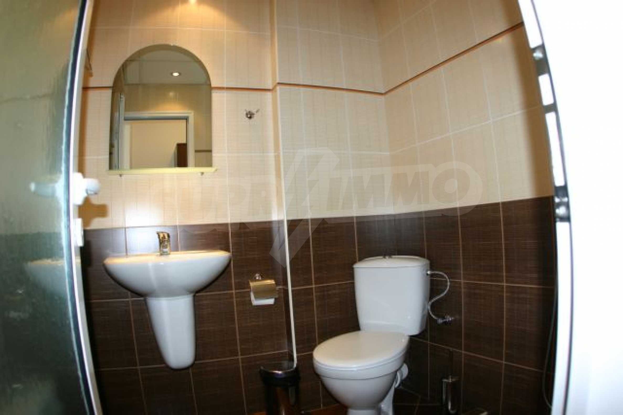 Елегантен хотел за продажба в ски курорта Банско 11