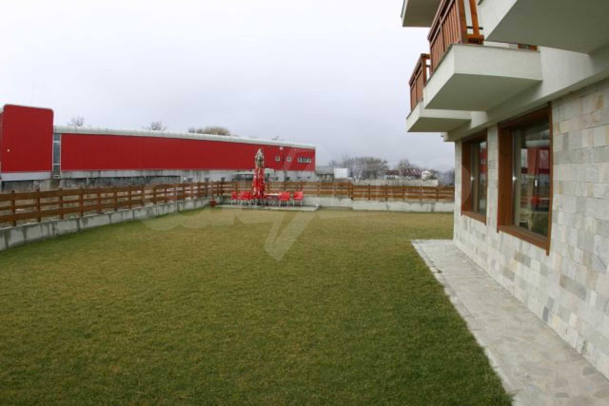 Елегантен хотел за продажба в ски курорта Банско 1
