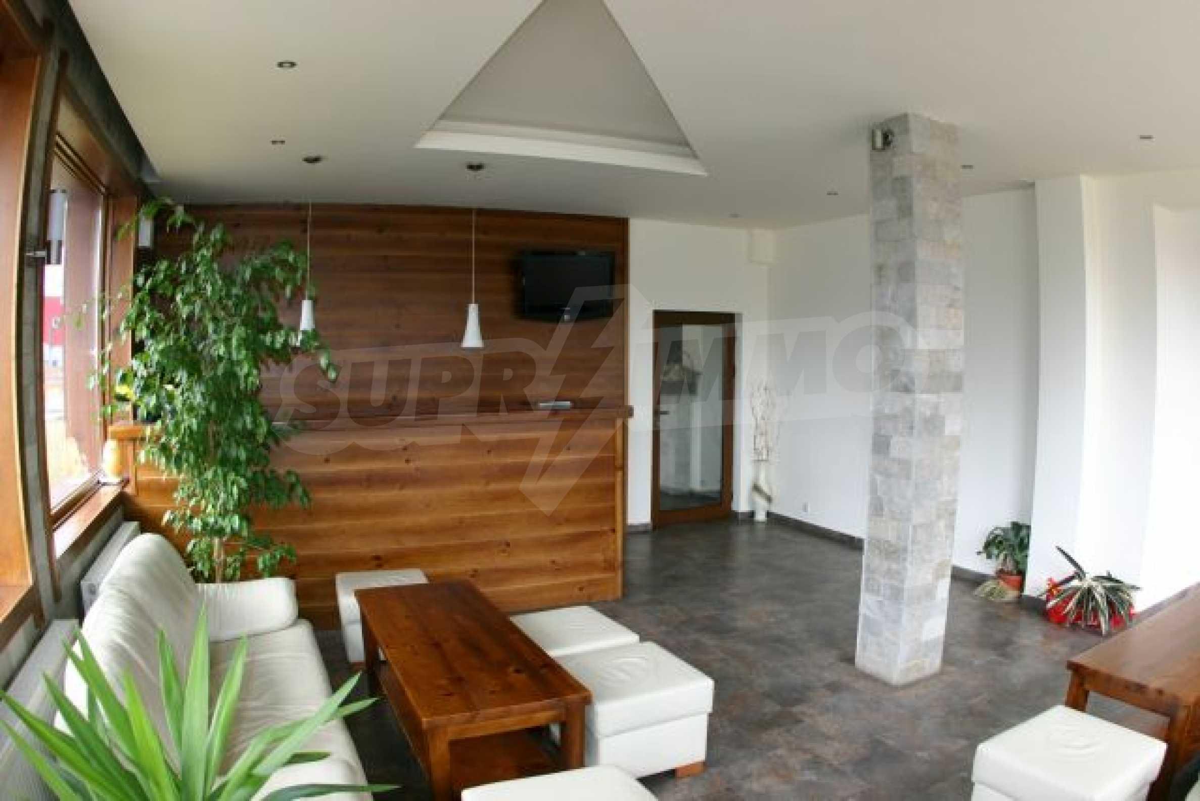 Елегантен хотел за продажба в ски курорта Банско 3
