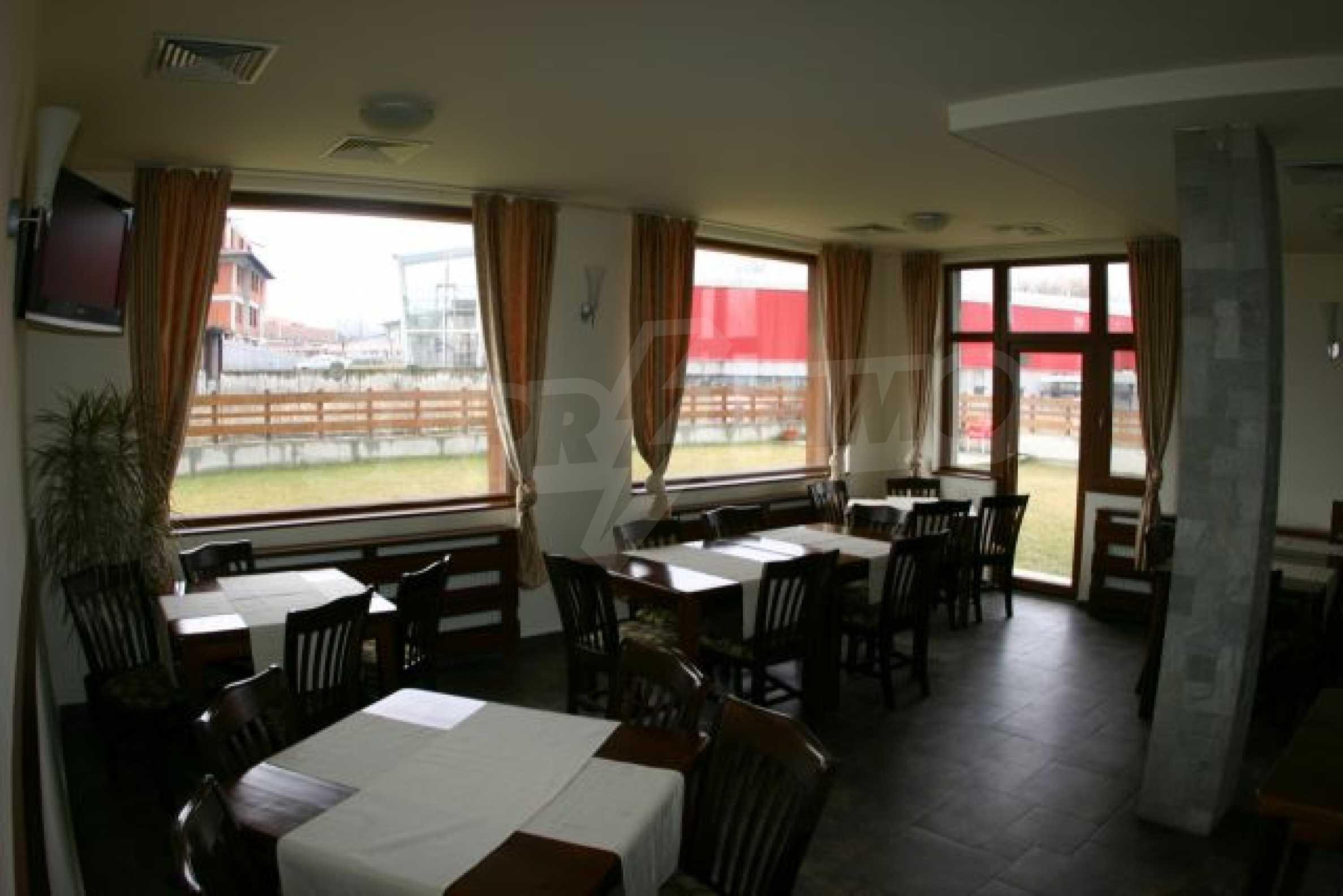 Елегантен хотел за продажба в ски курорта Банско 5