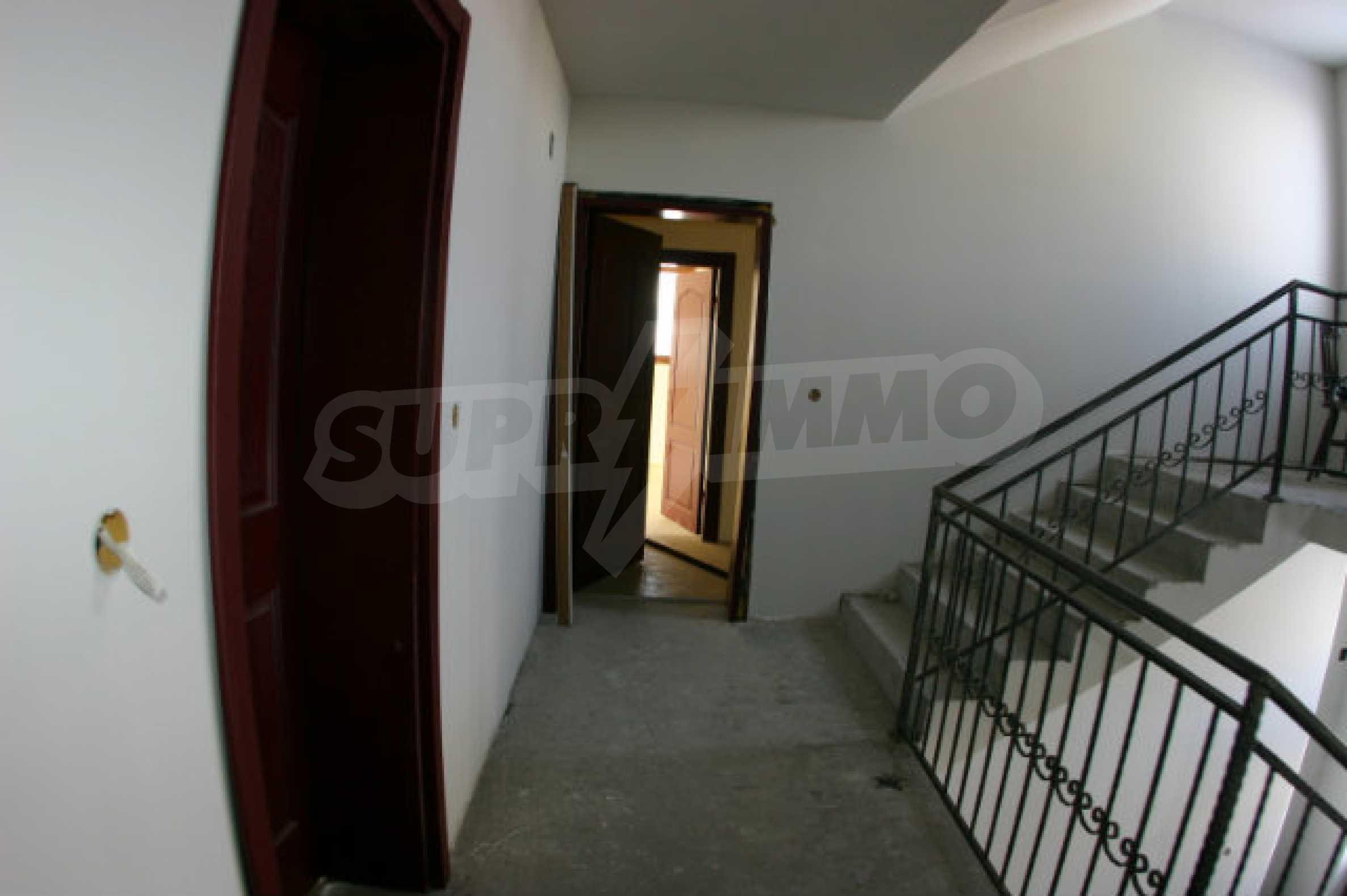 Residental building in Bansko 14