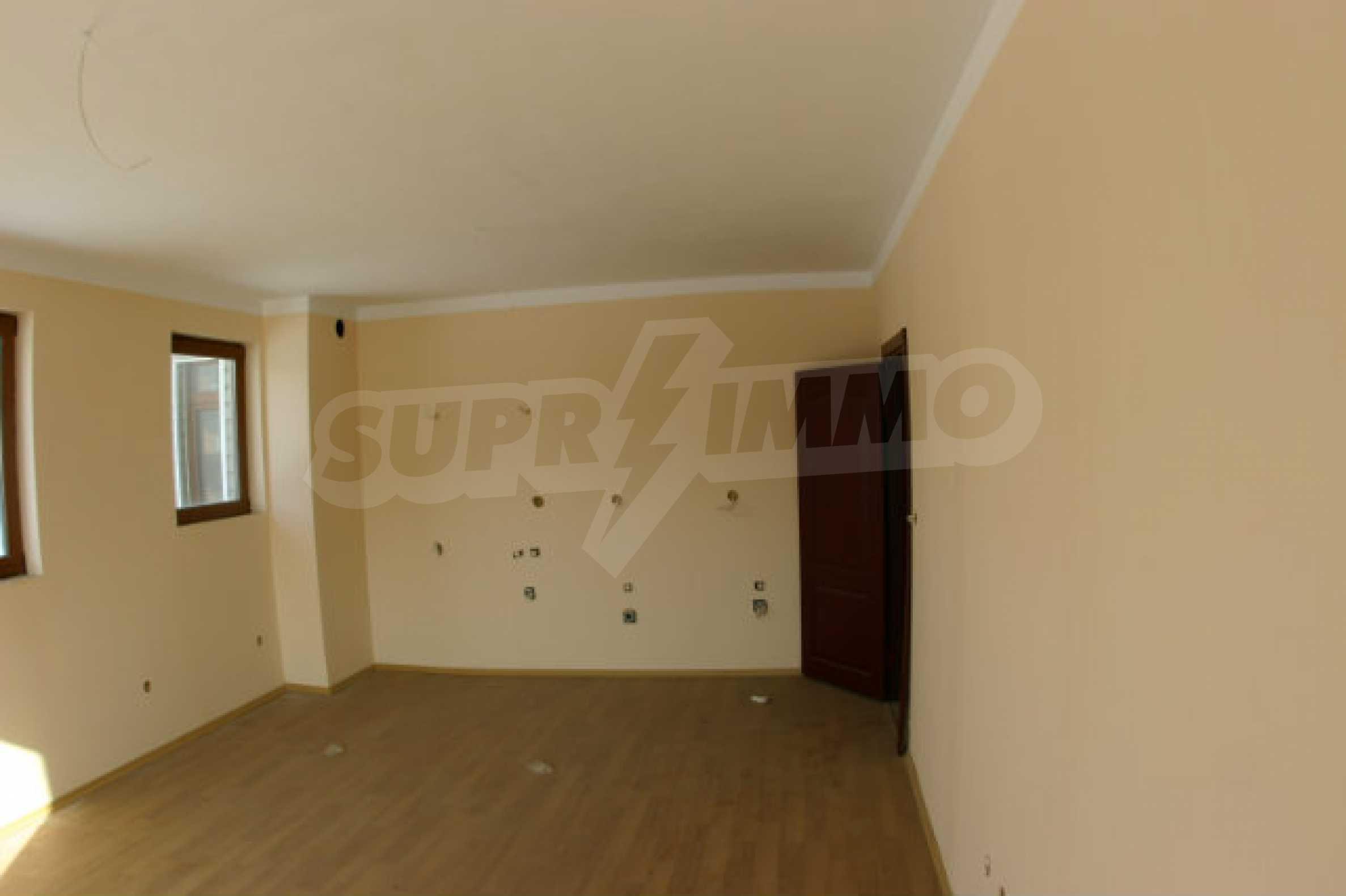 Residental building in Bansko 23