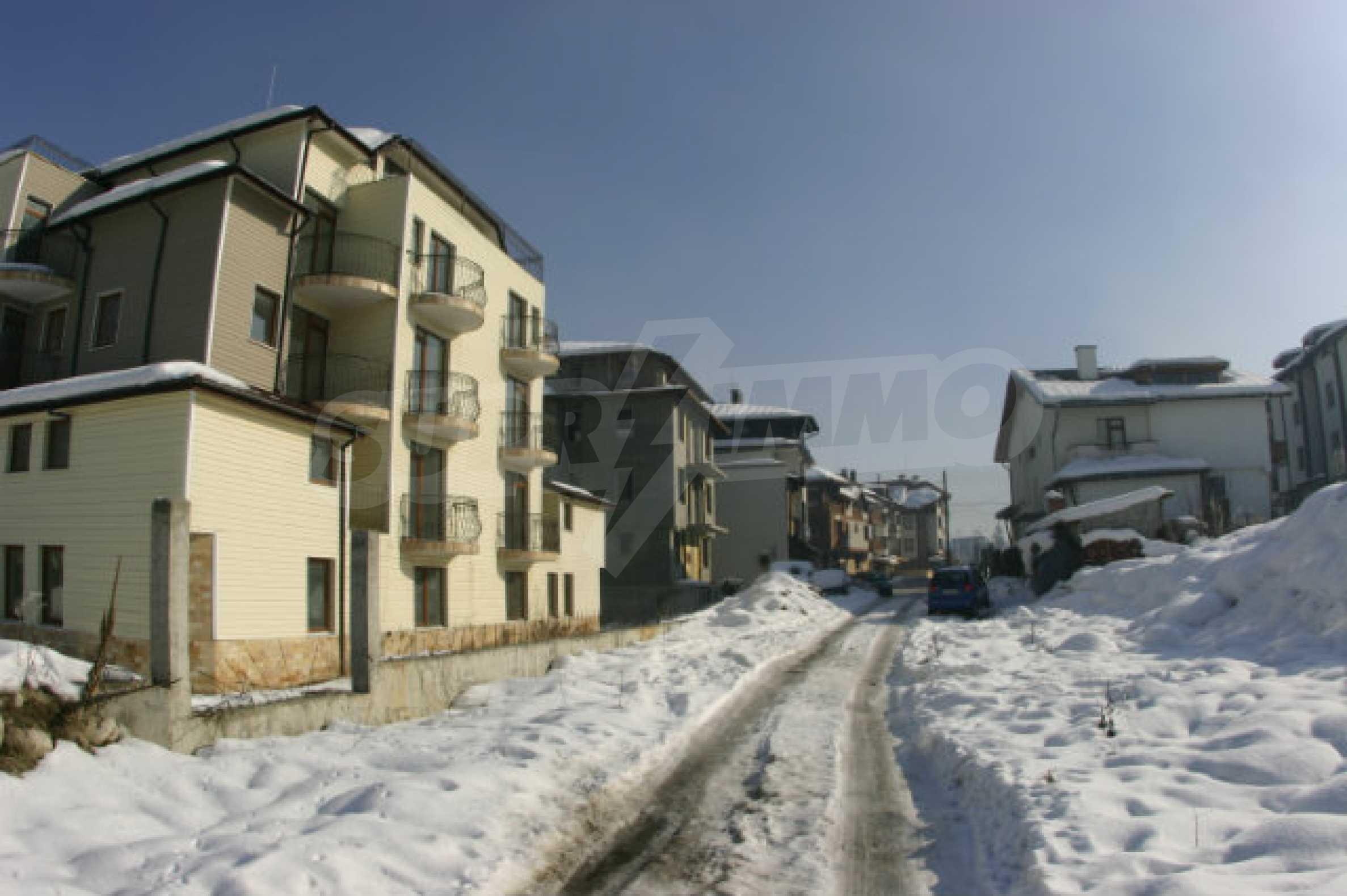 Residental building in Bansko 3