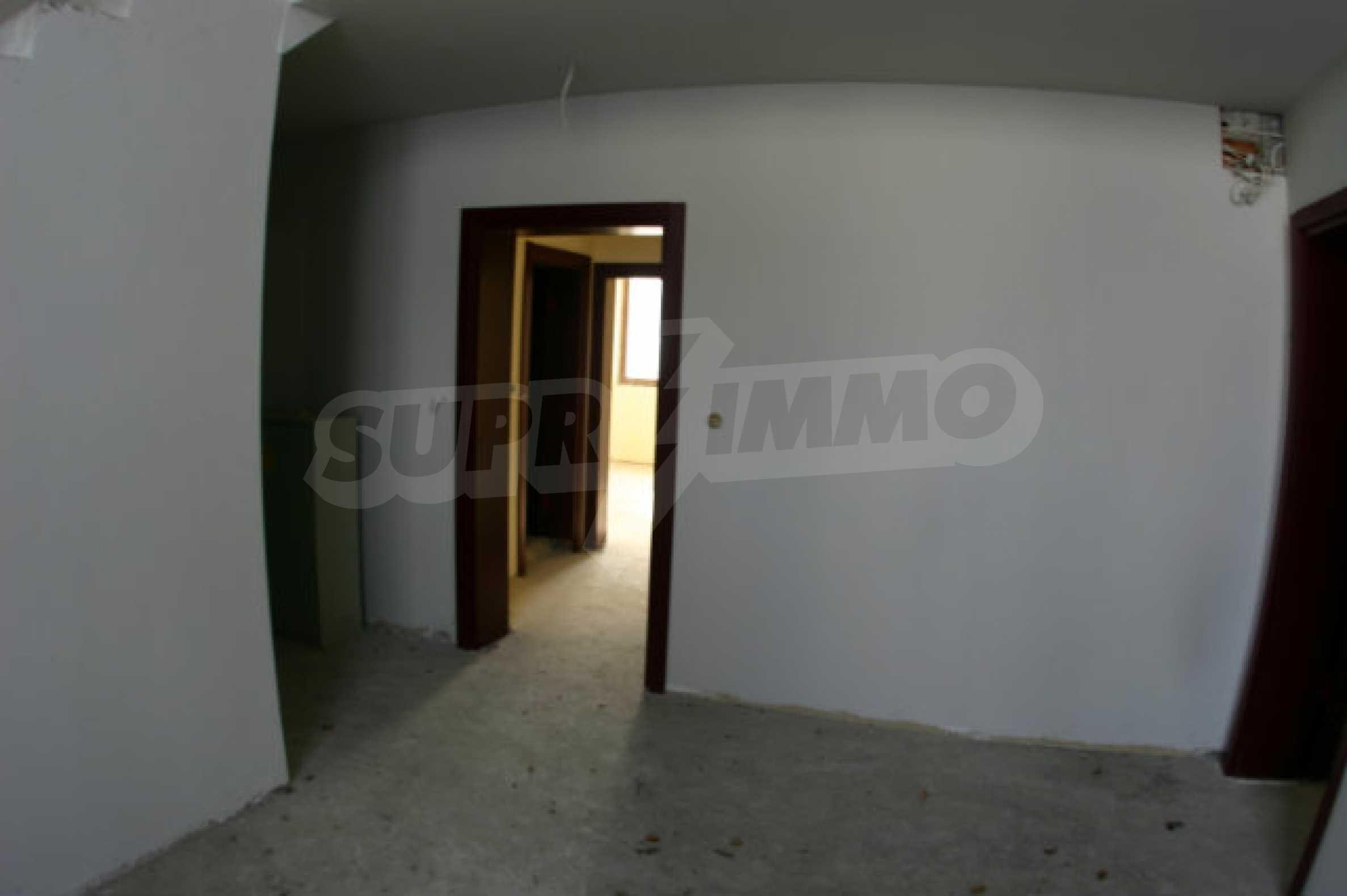 Residental building in Bansko 7
