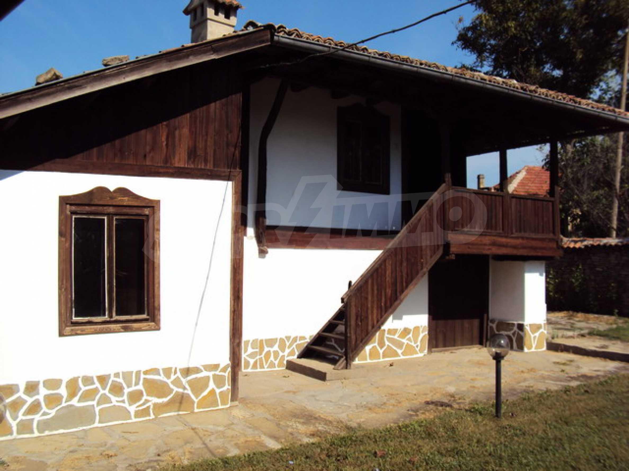 Ремонтирана традиционна къща 21