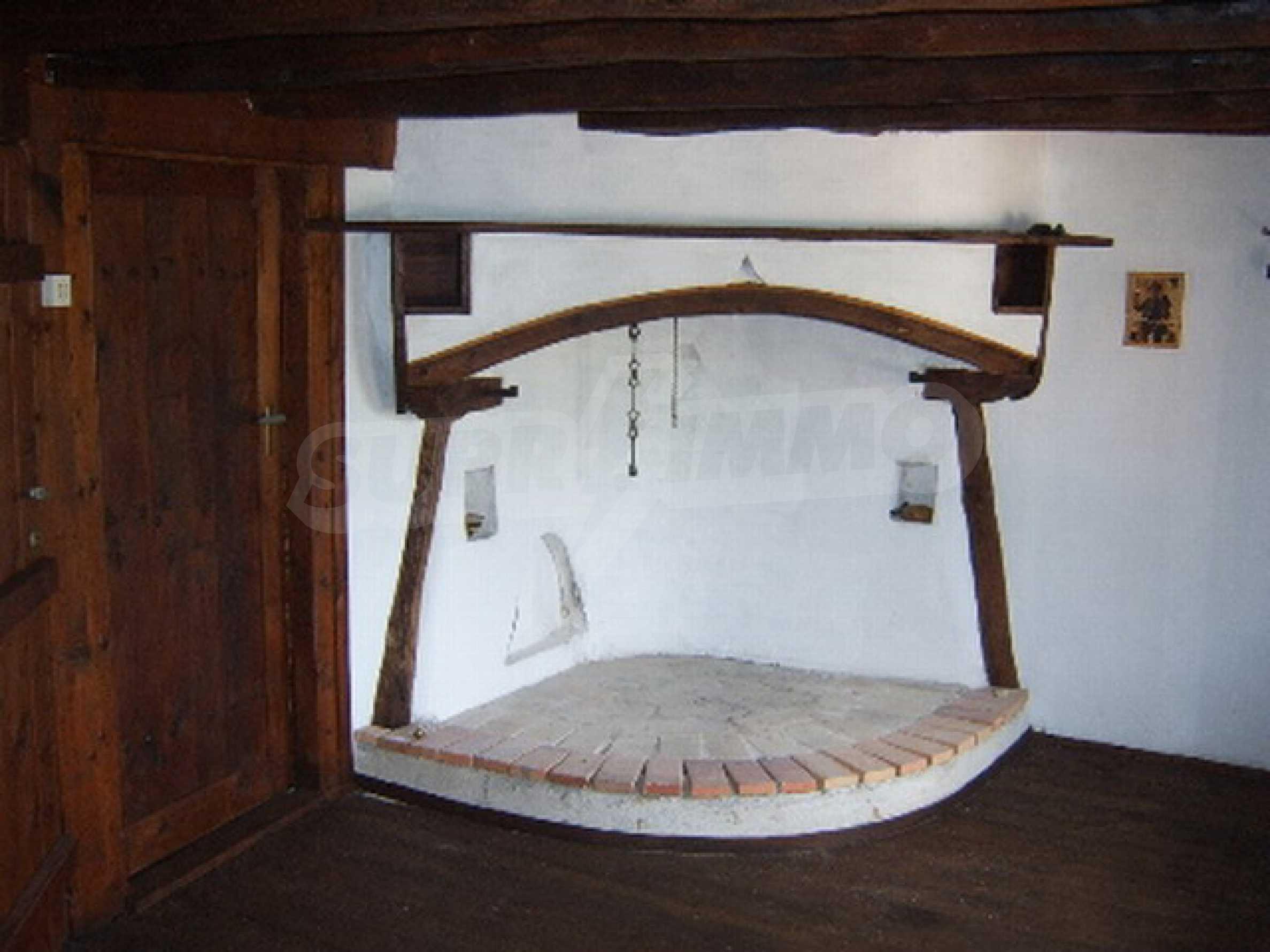 Ремонтирана традиционна къща 6