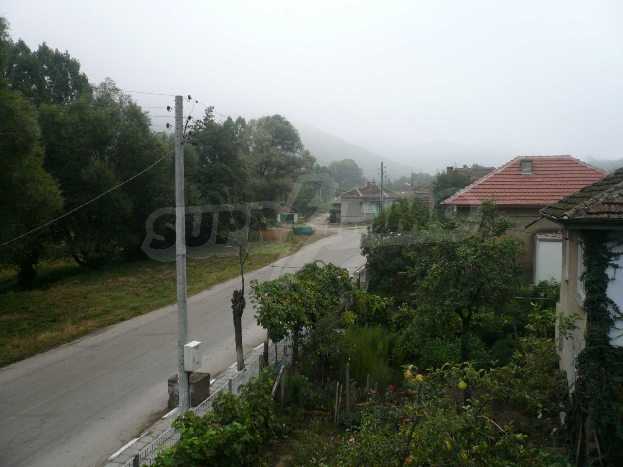 Nice solid house 27 km from Belogradchik 16