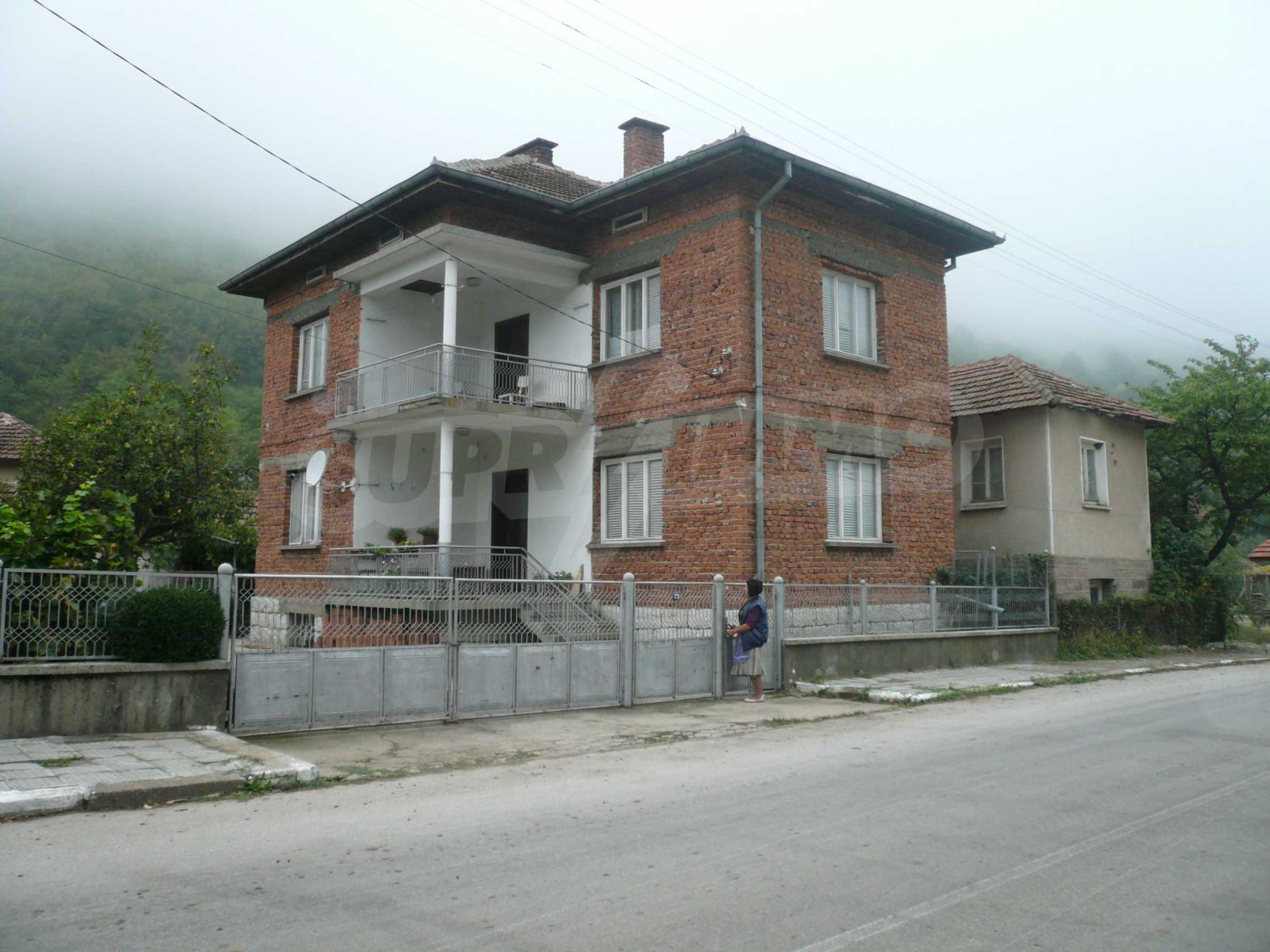 Nice solid house 27 km from Belogradchik 1