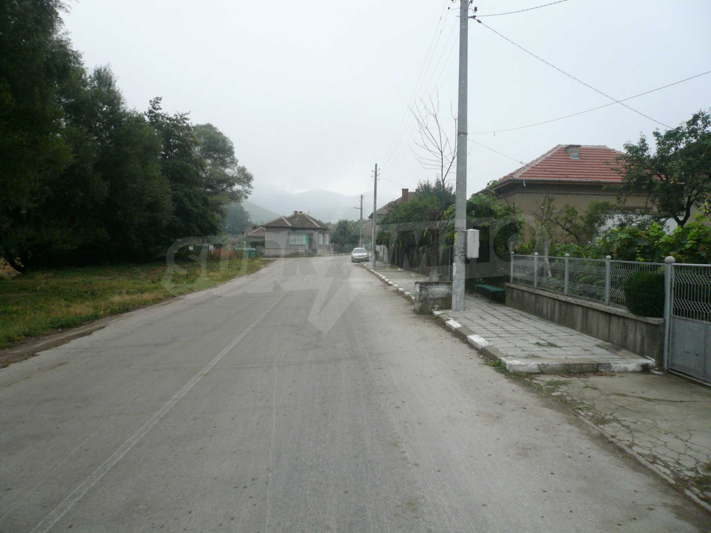 Nice solid house 27 km from Belogradchik 23