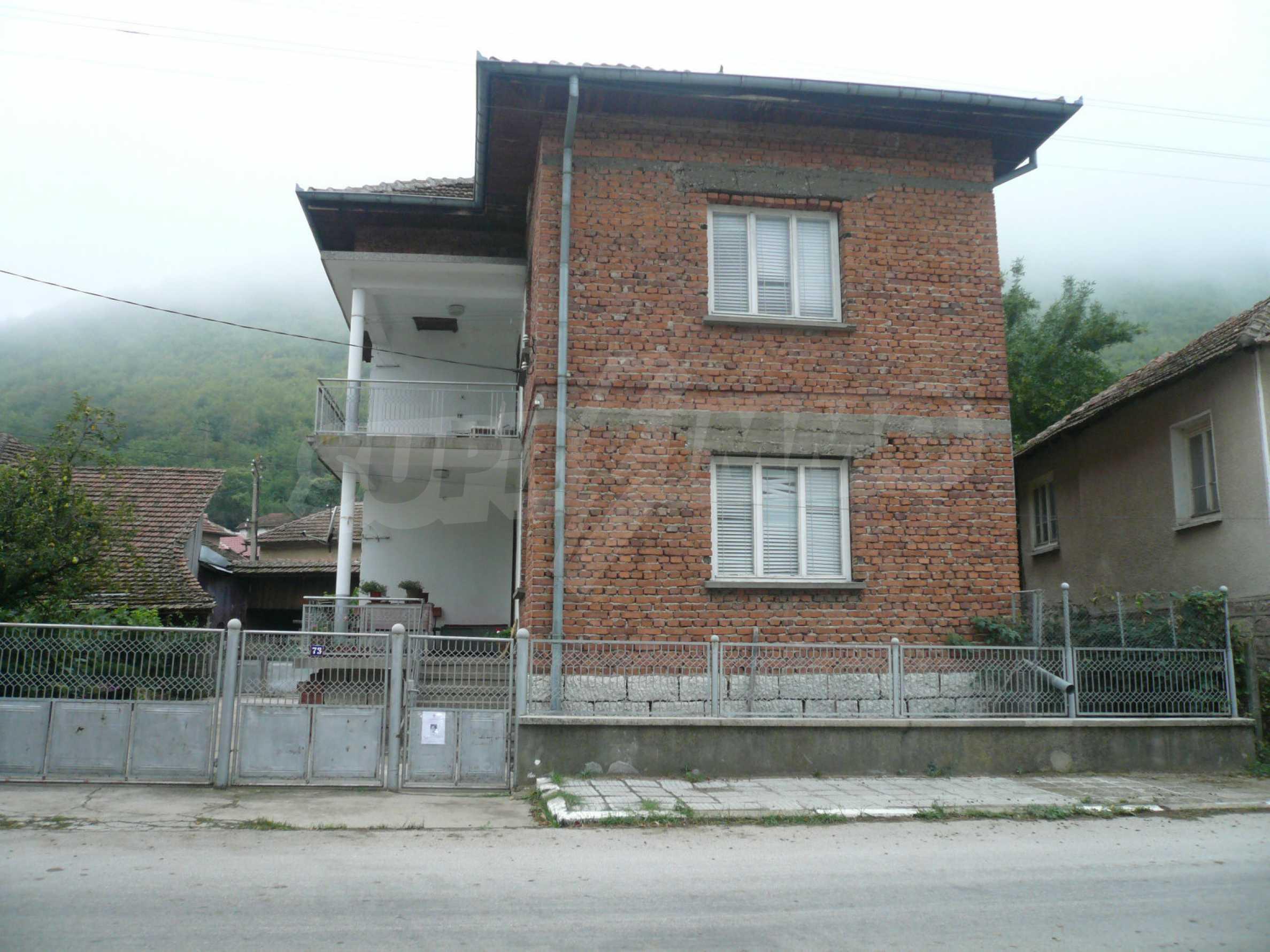Wunderschönes massives Haus 27 km von Belogradchik entfernt 4
