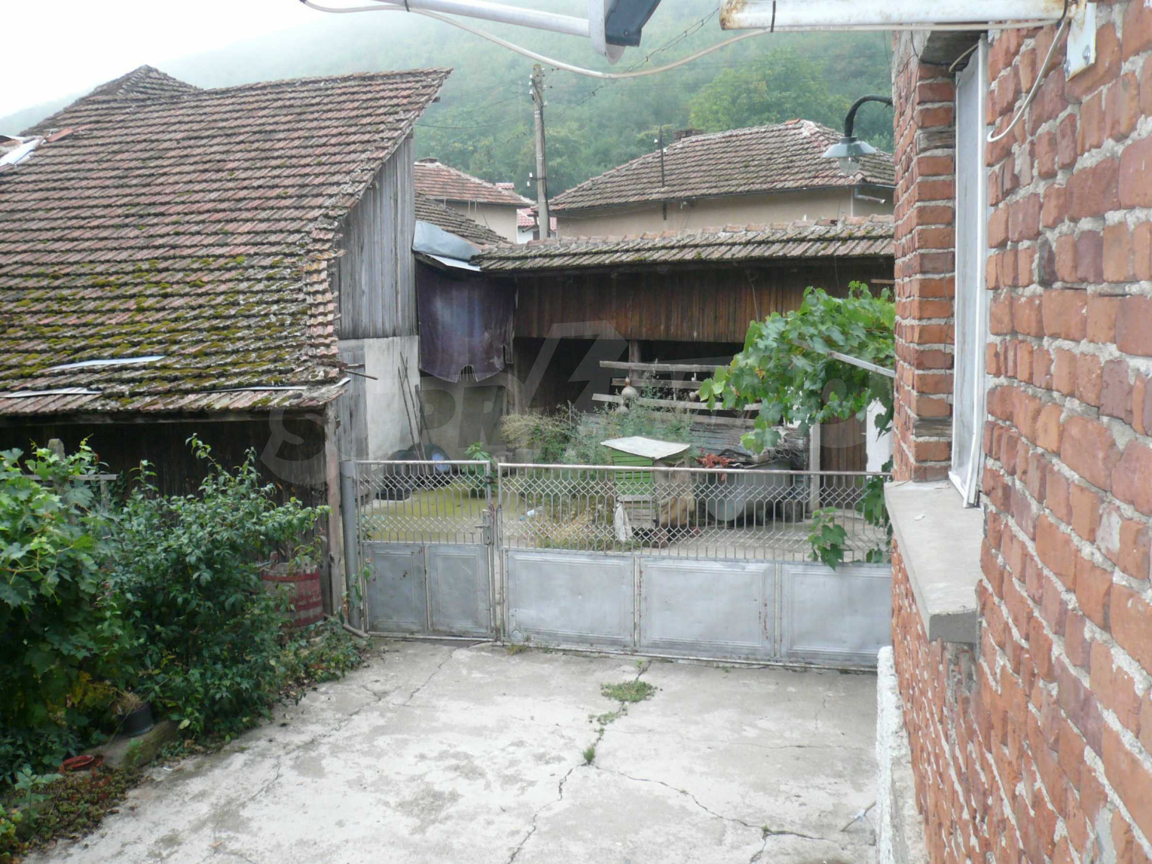 Nice solid house 27 km from Belogradchik 6