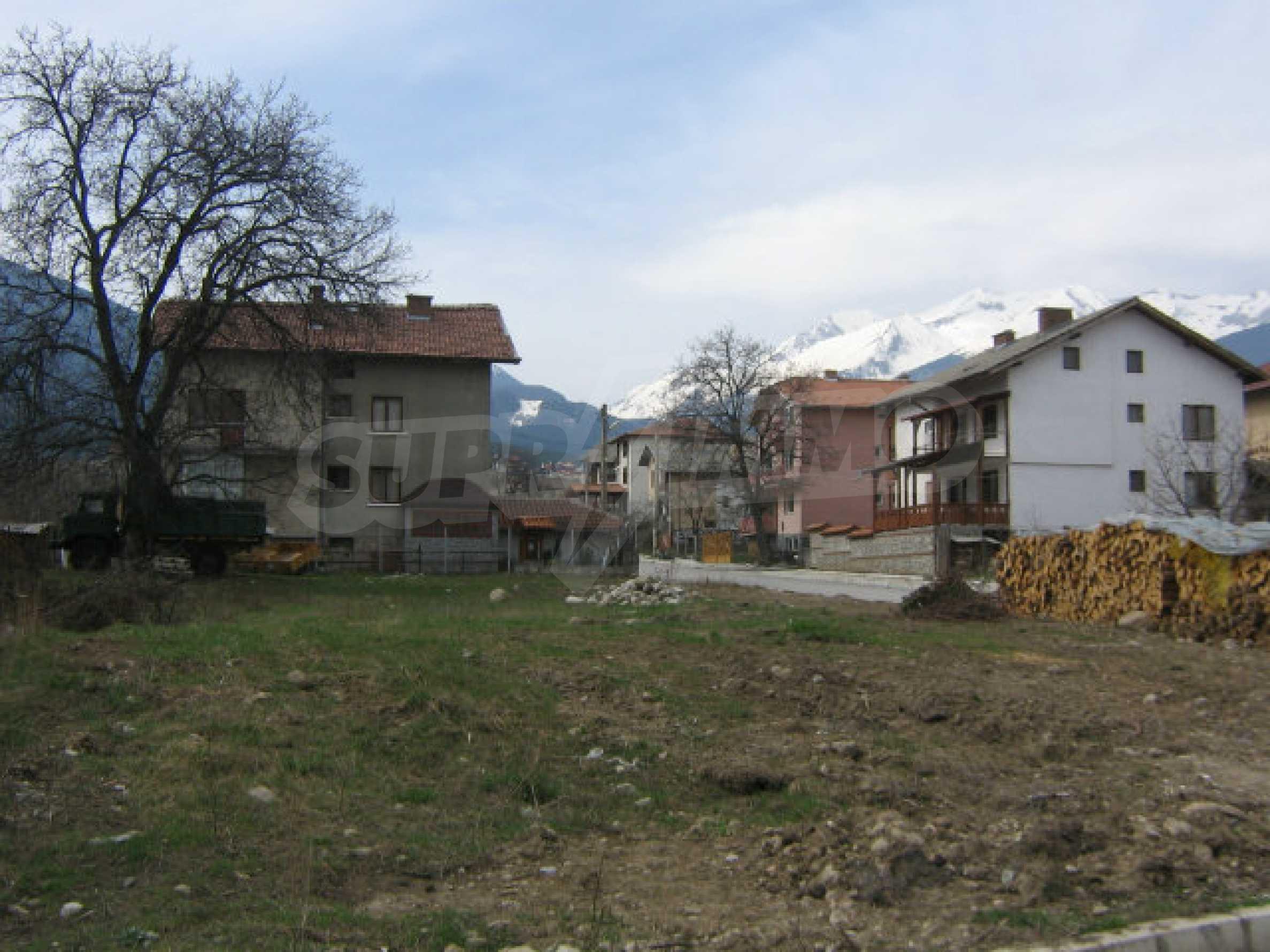 Grundstück mit genehmigtem Projekt zum Verkauf in Bansko 5