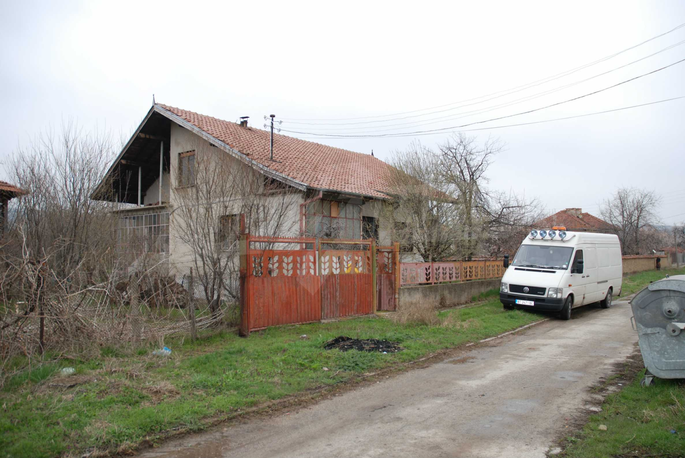 A big house near Danube river and the town of Svishtov 1