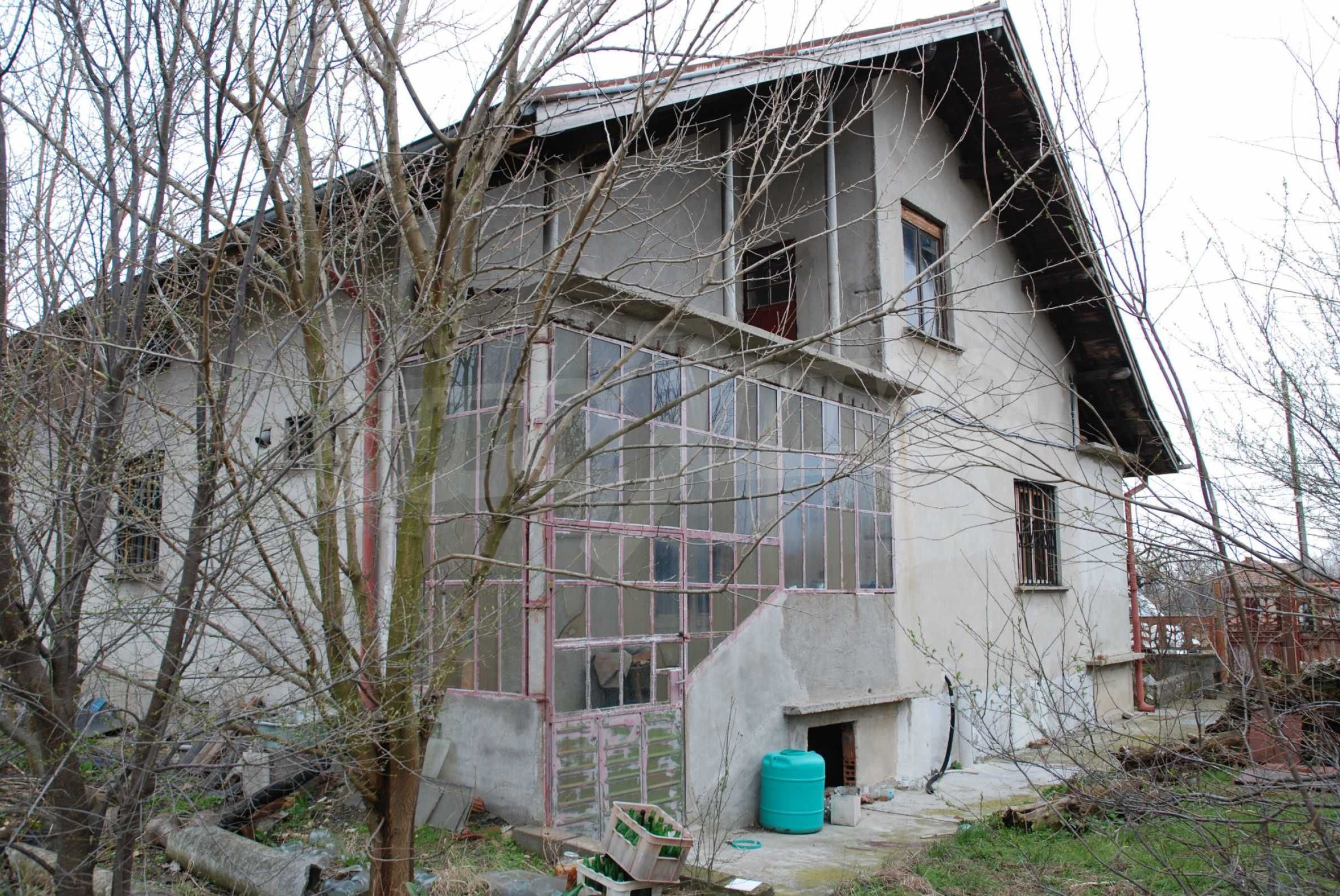 A big house near Danube river and the town of Svishtov 2