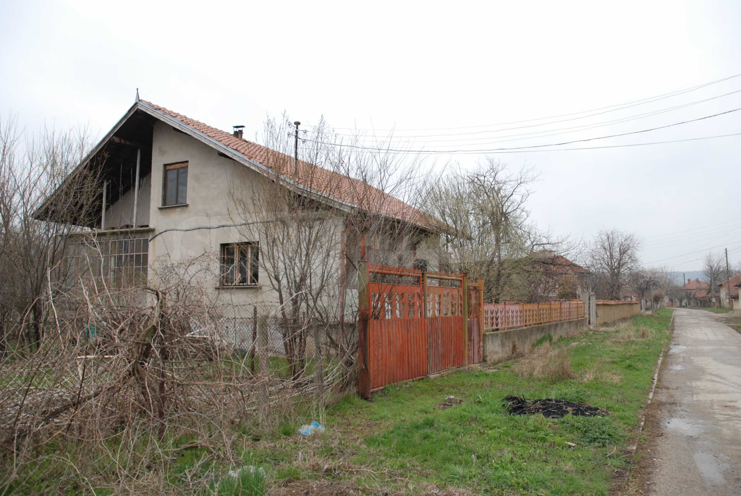 A big house near Danube river and the town of Svishtov 4