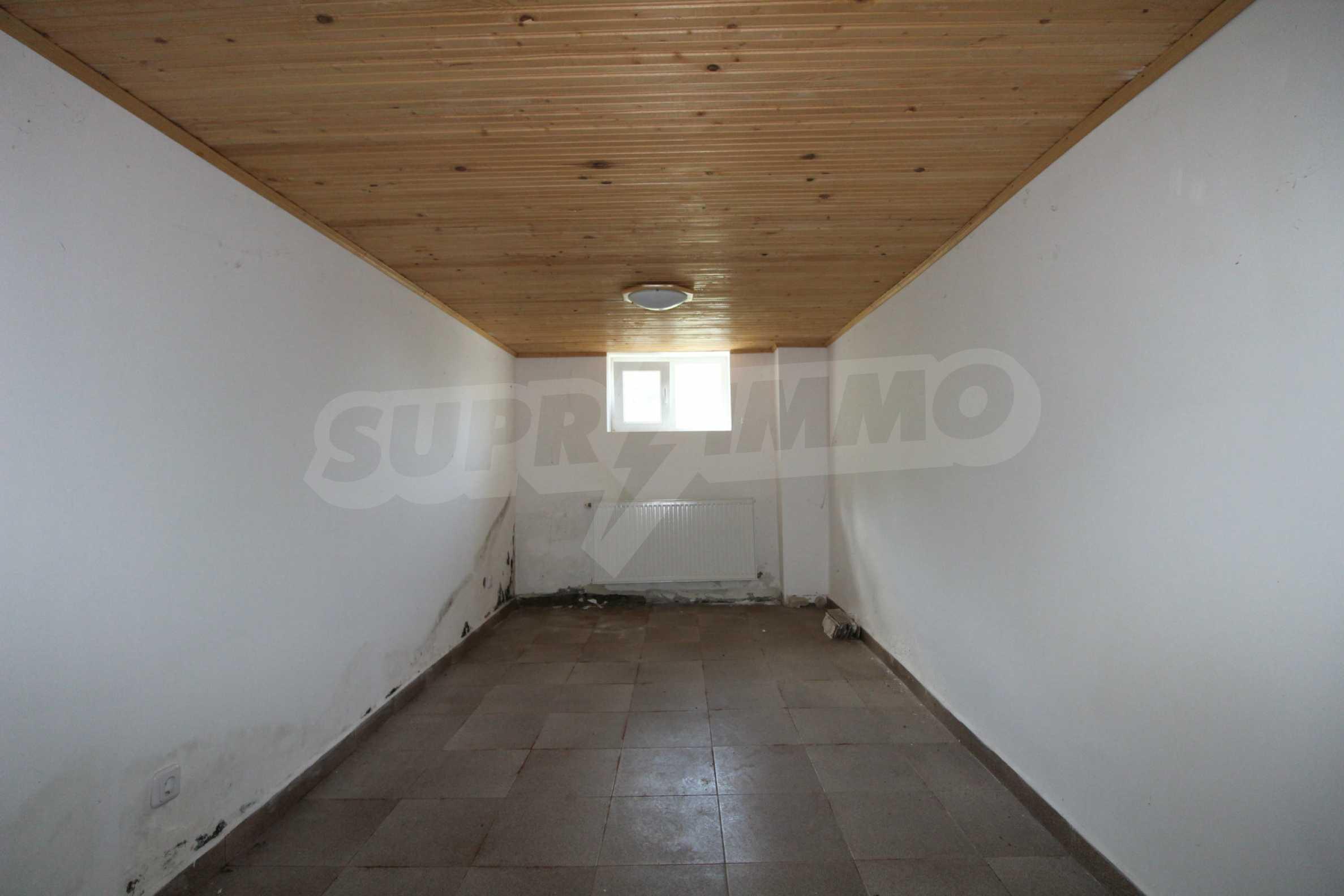 Реновирана двуетажна къща само на 5 км от град Габрово  14