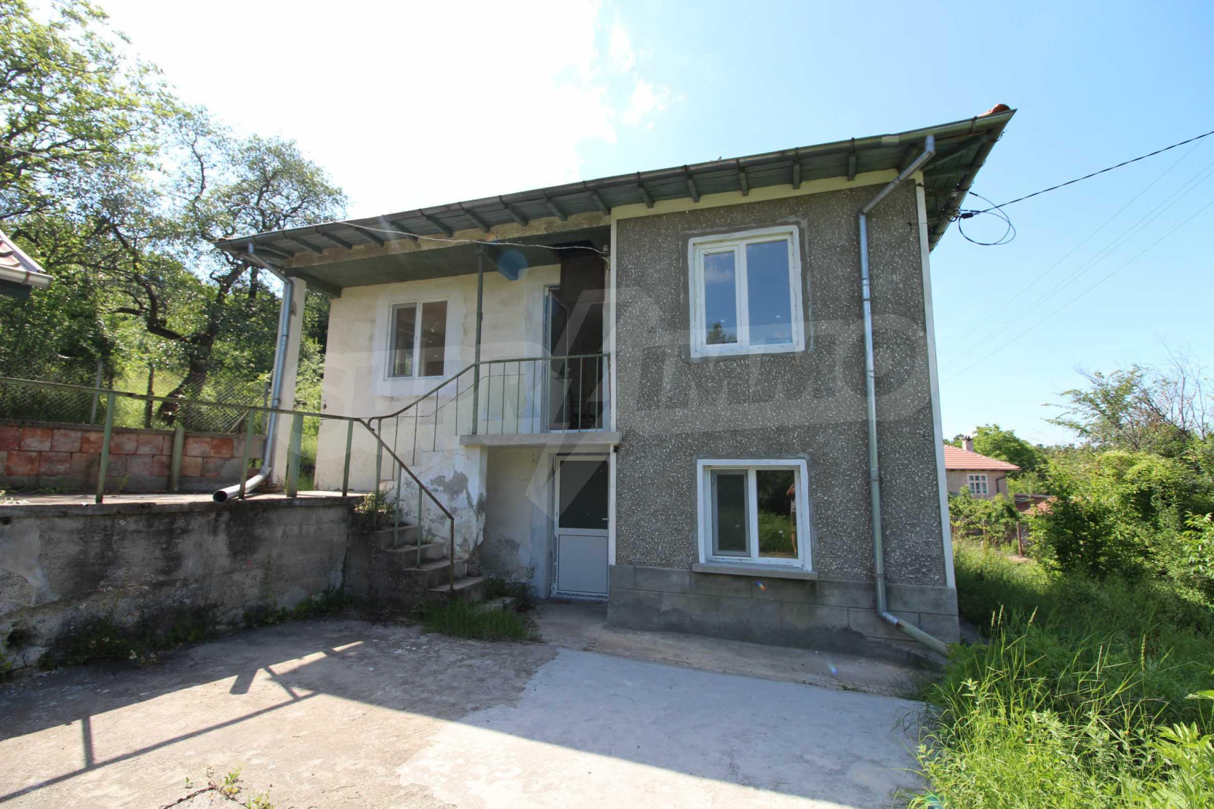 Реновирана двуетажна къща само на 5 км от град Габрово  18