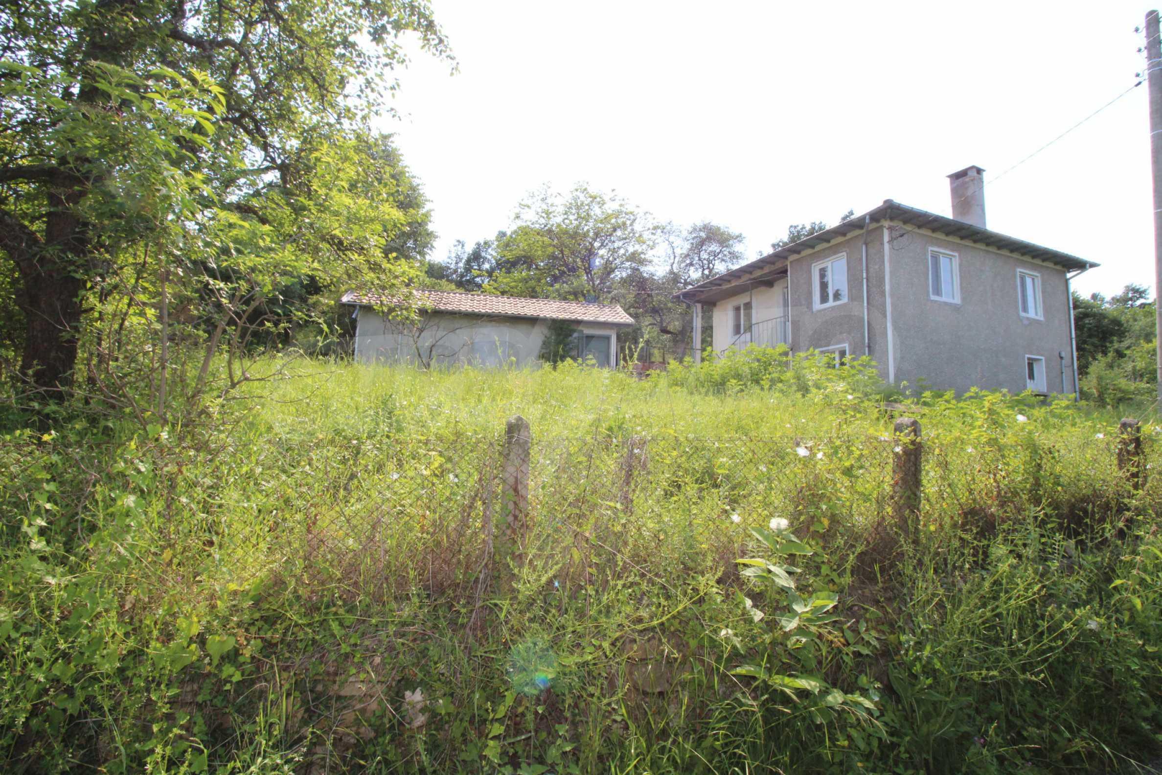Реновирана двуетажна къща само на 5 км от град Габрово  23