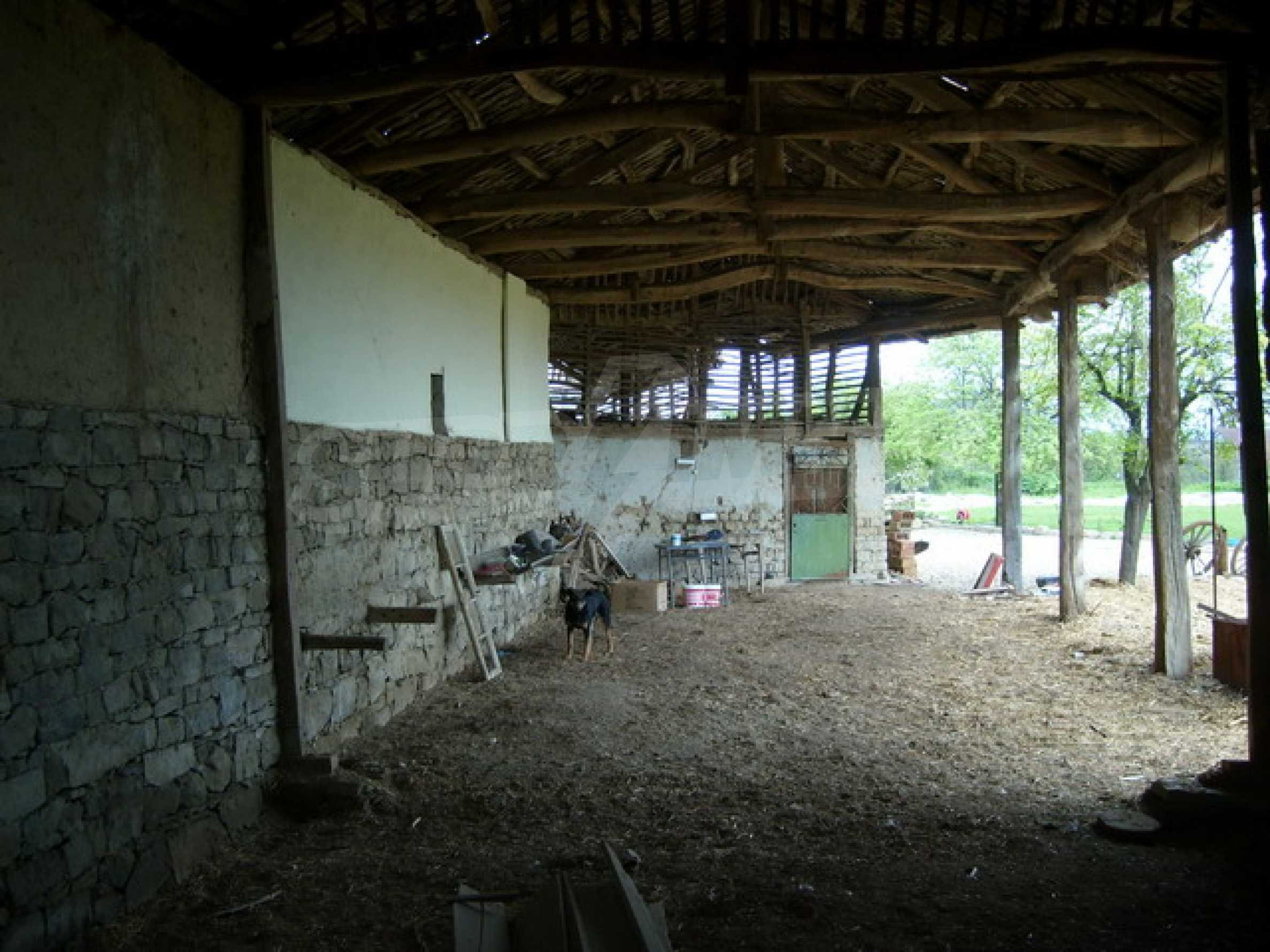 Красив имот в село до Велико Търново 50