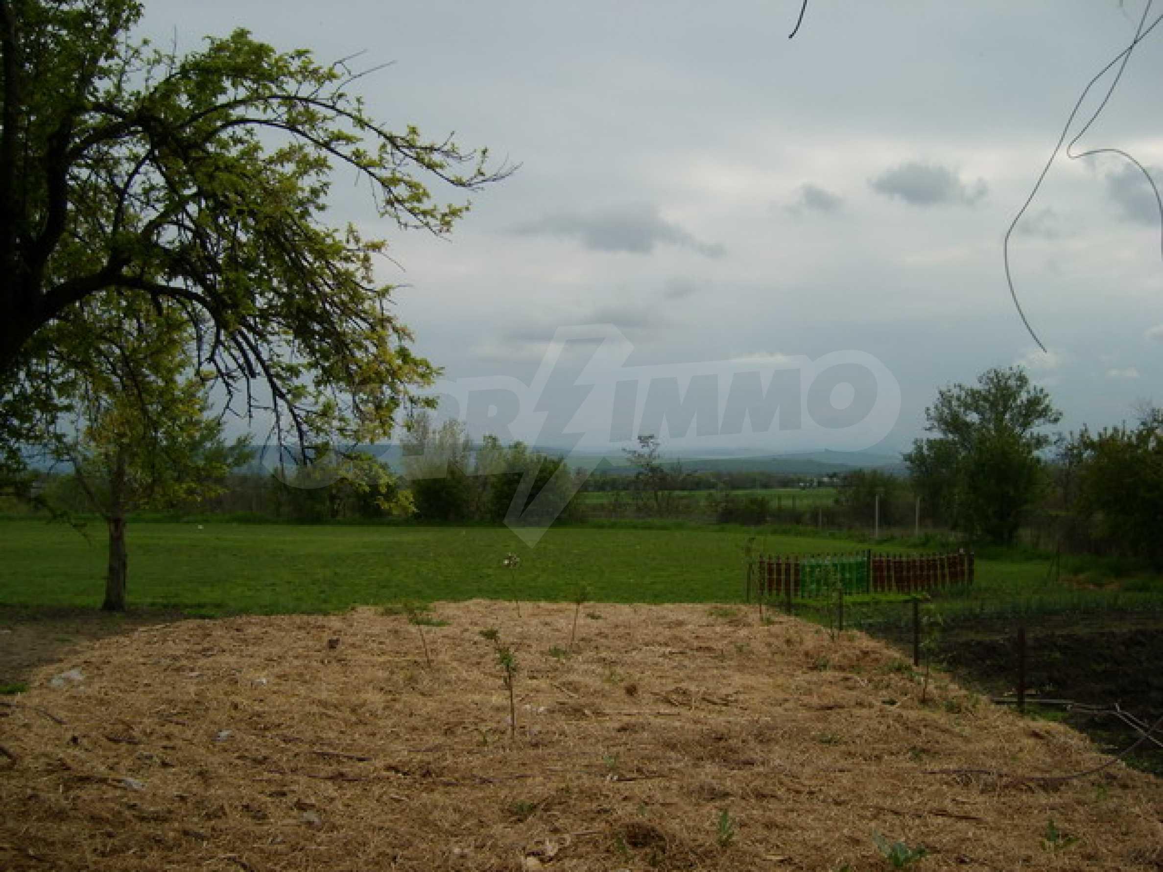 Красив имот в село до Велико Търново 52