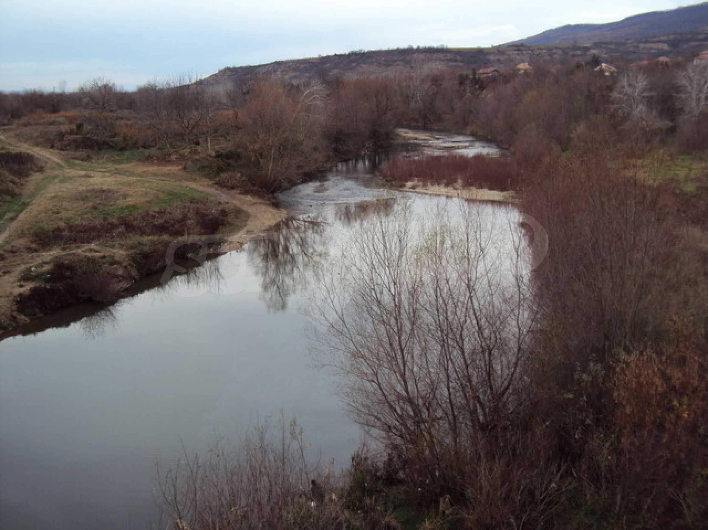 Красив имот в село до Велико Търново 60