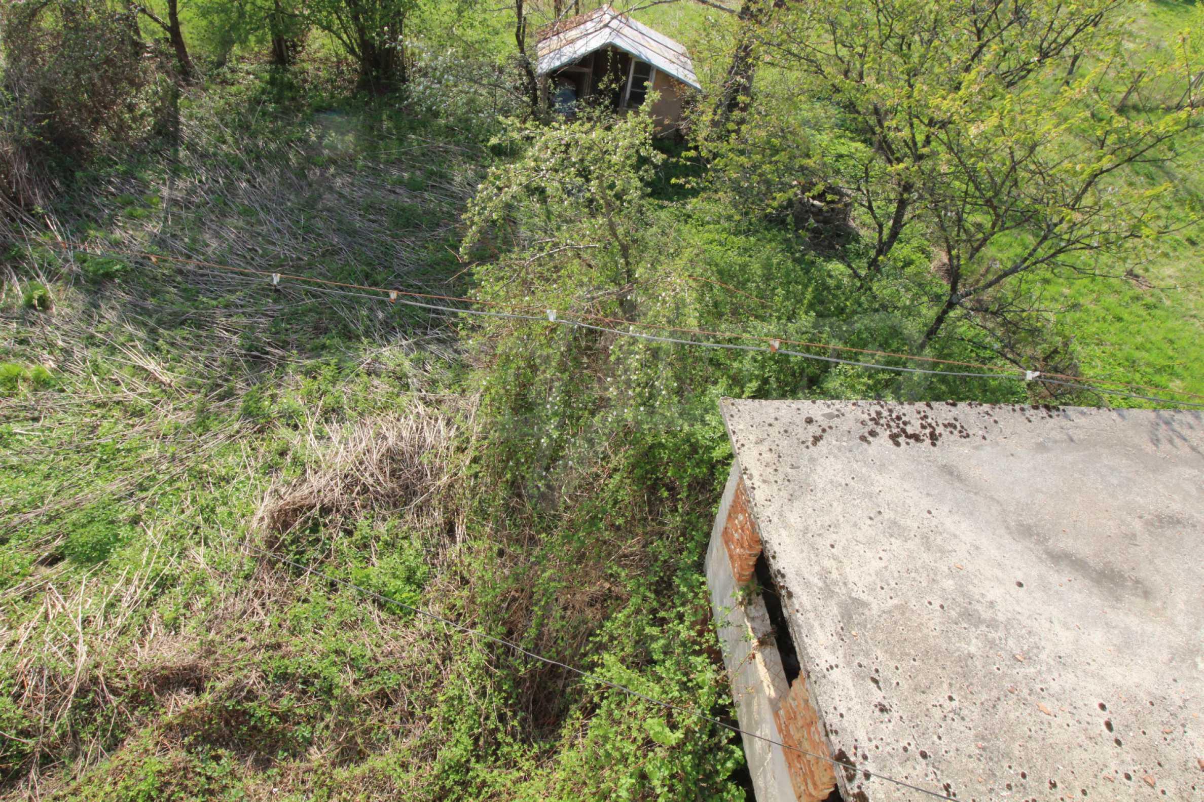 Чудесен планински имот в град Тетевен 33