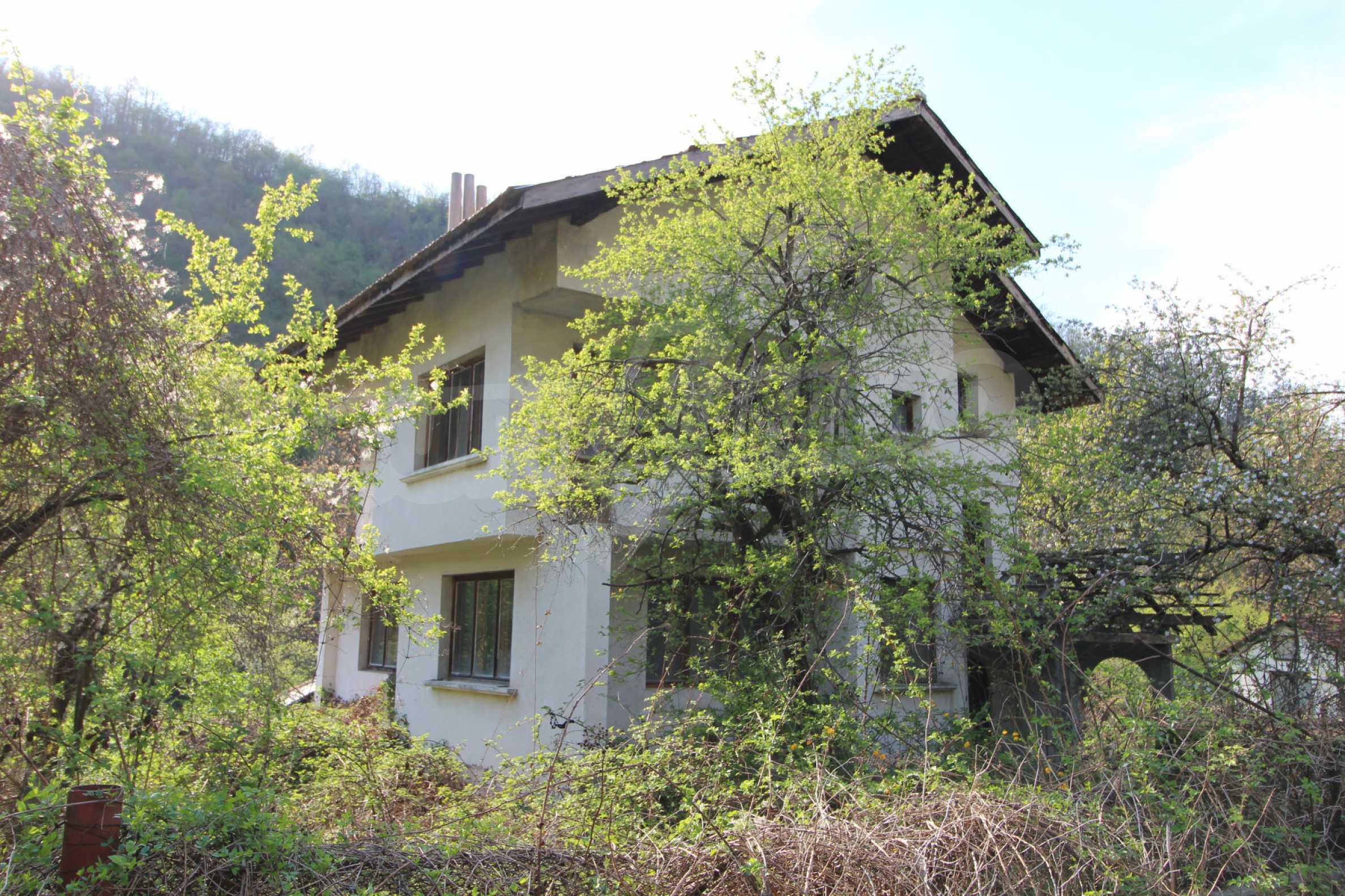 Чудесен планински имот в град Тетевен 7