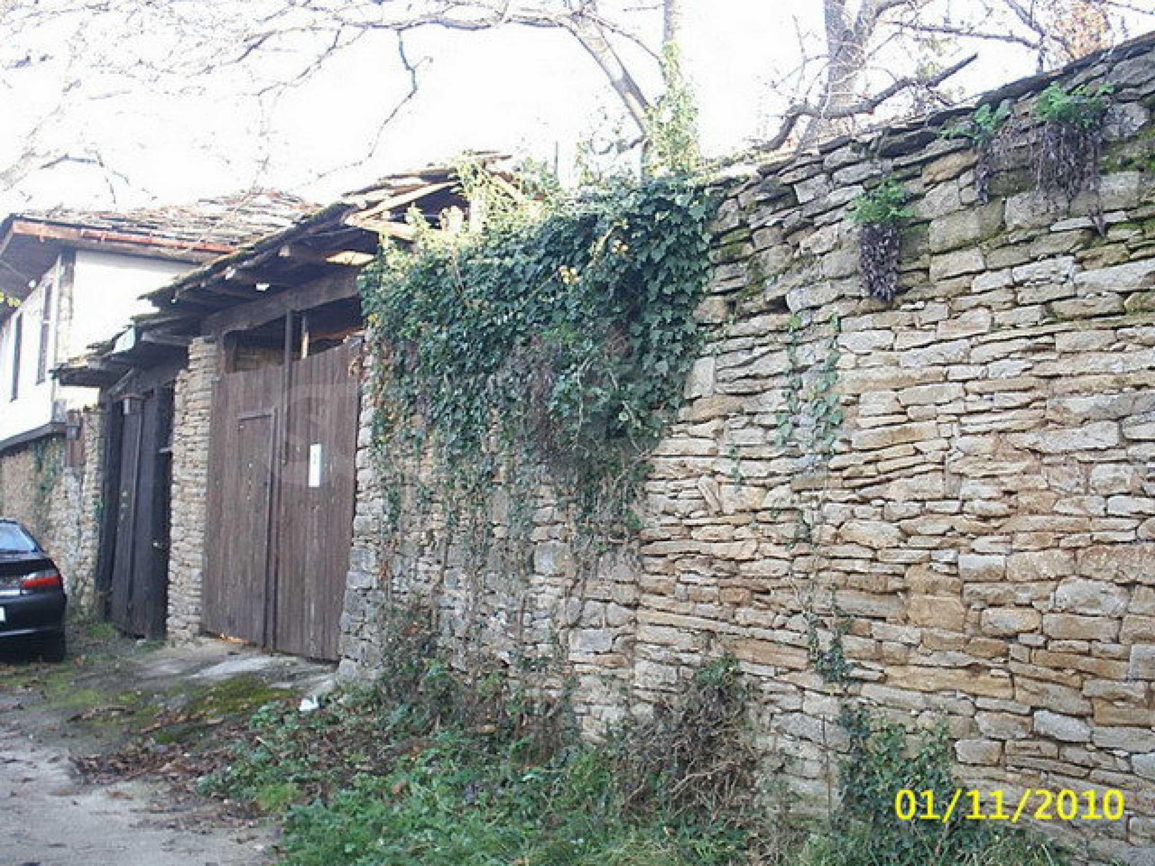 Традиционен имот в малко, китно село 9