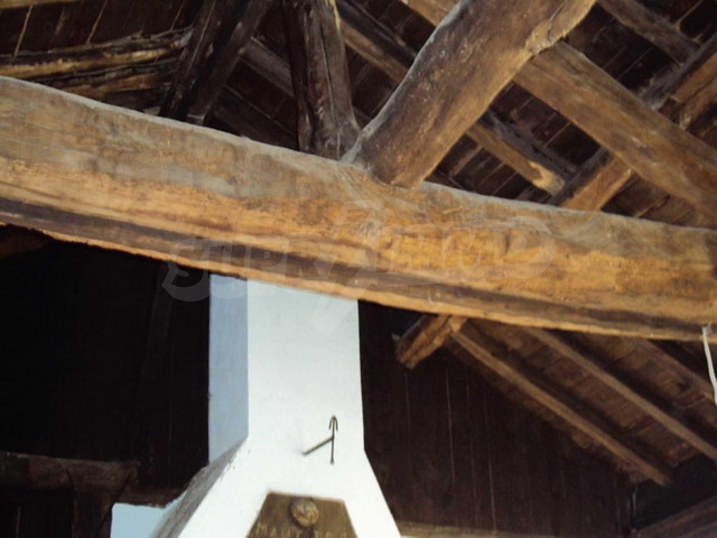 Традиционен имот в малко, китно село 24