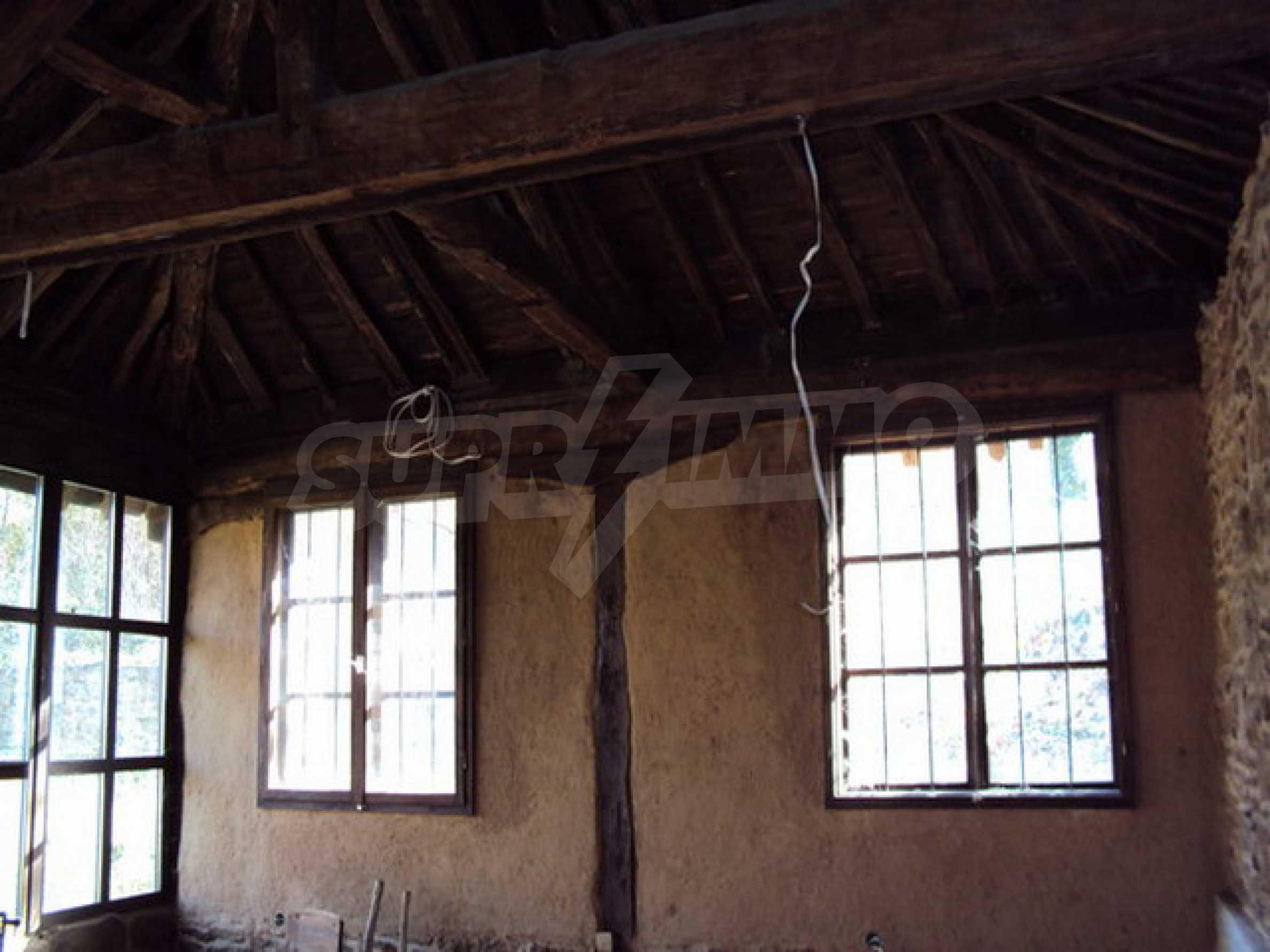 Традиционен имот в малко, китно село 31