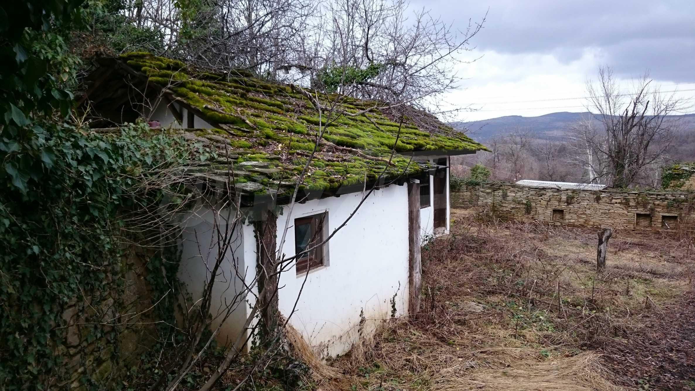 Традиционен имот в малко, китно село 44