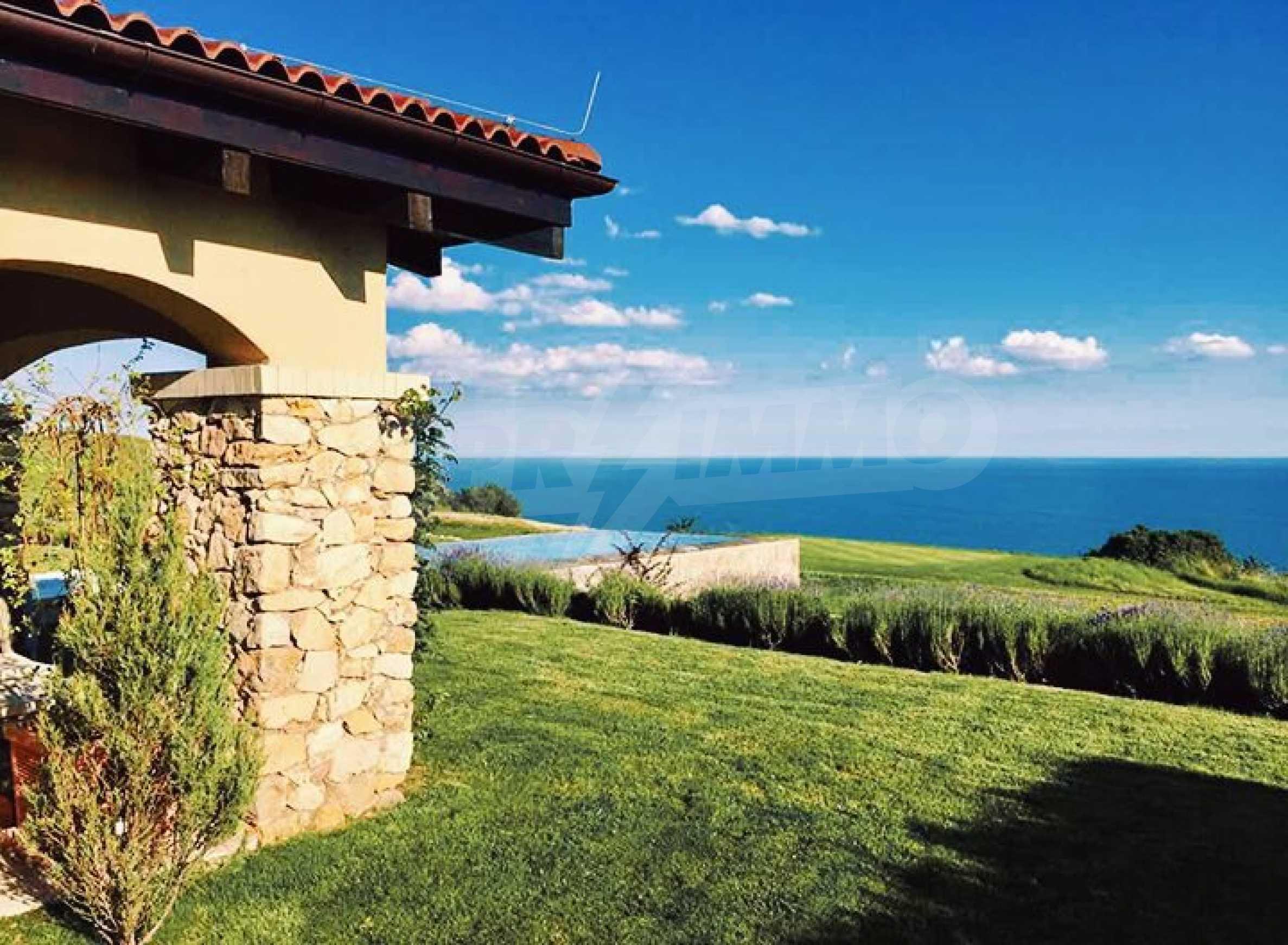 Прекрасна къща в престижен голф комплекс 9